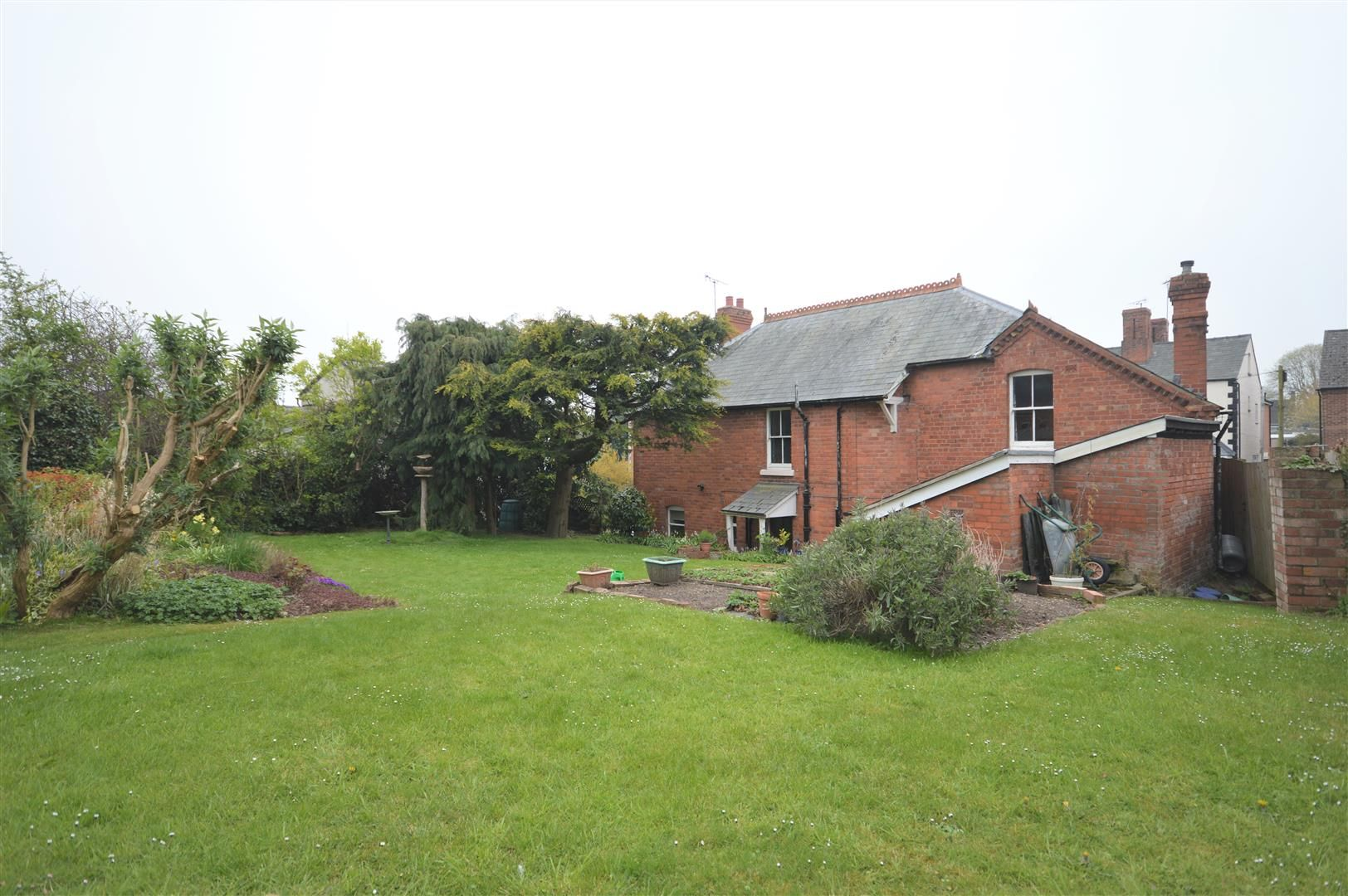 5 bed detached for sale in Leominster 12