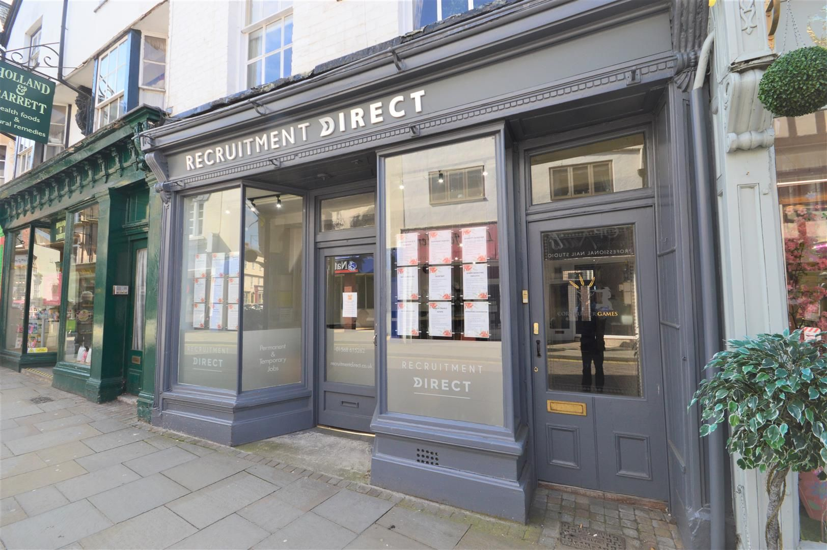 Retail-property-(high-street) to rent in Leominster, HR6