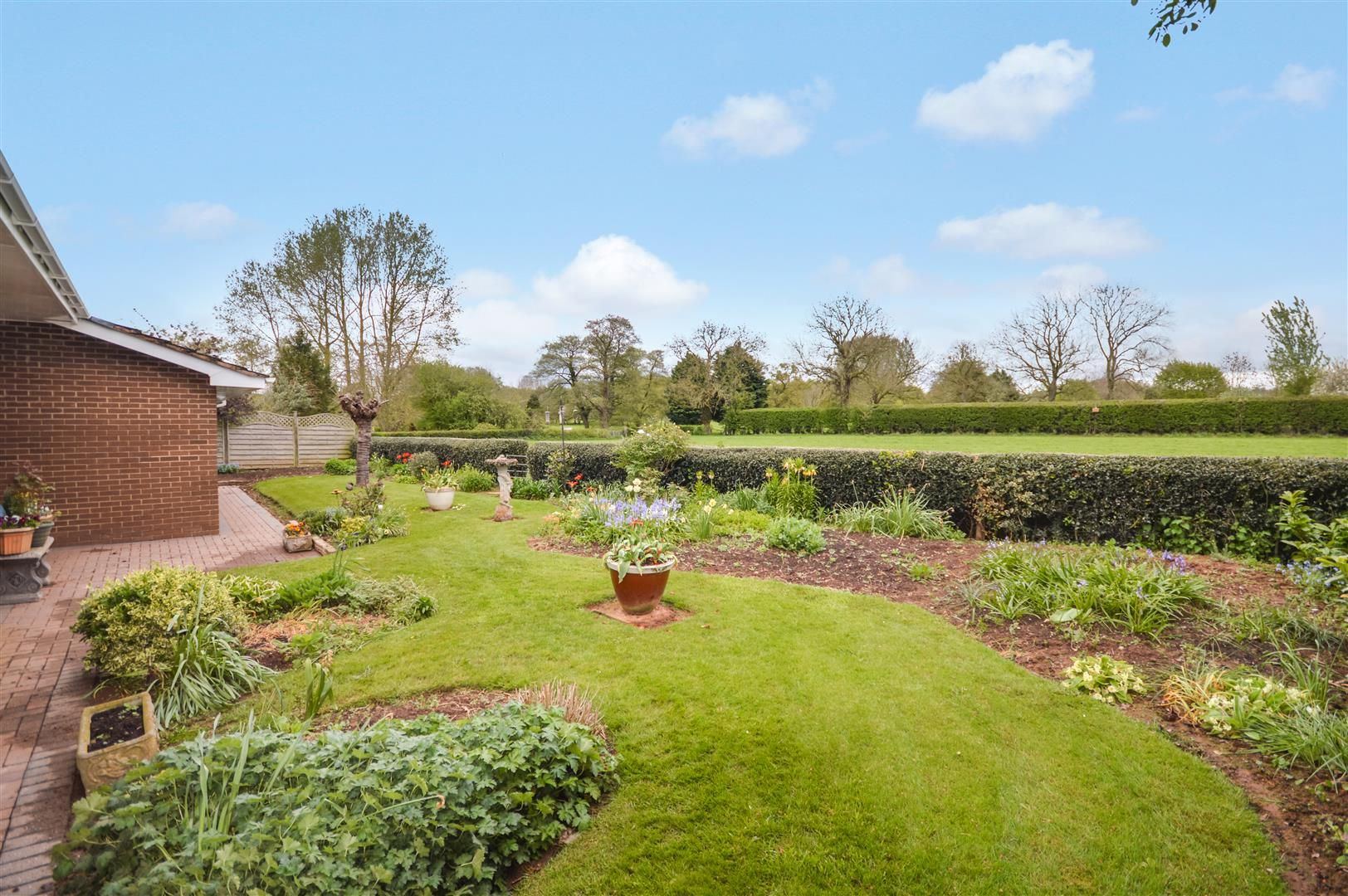 3 bed detached-bungalow for sale in Bodenham 5