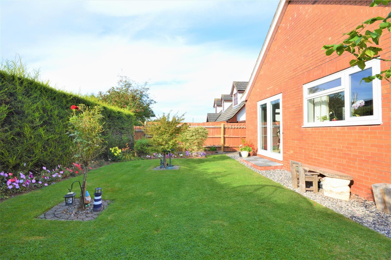 4 bed detached-bungalow for sale in Marden 12