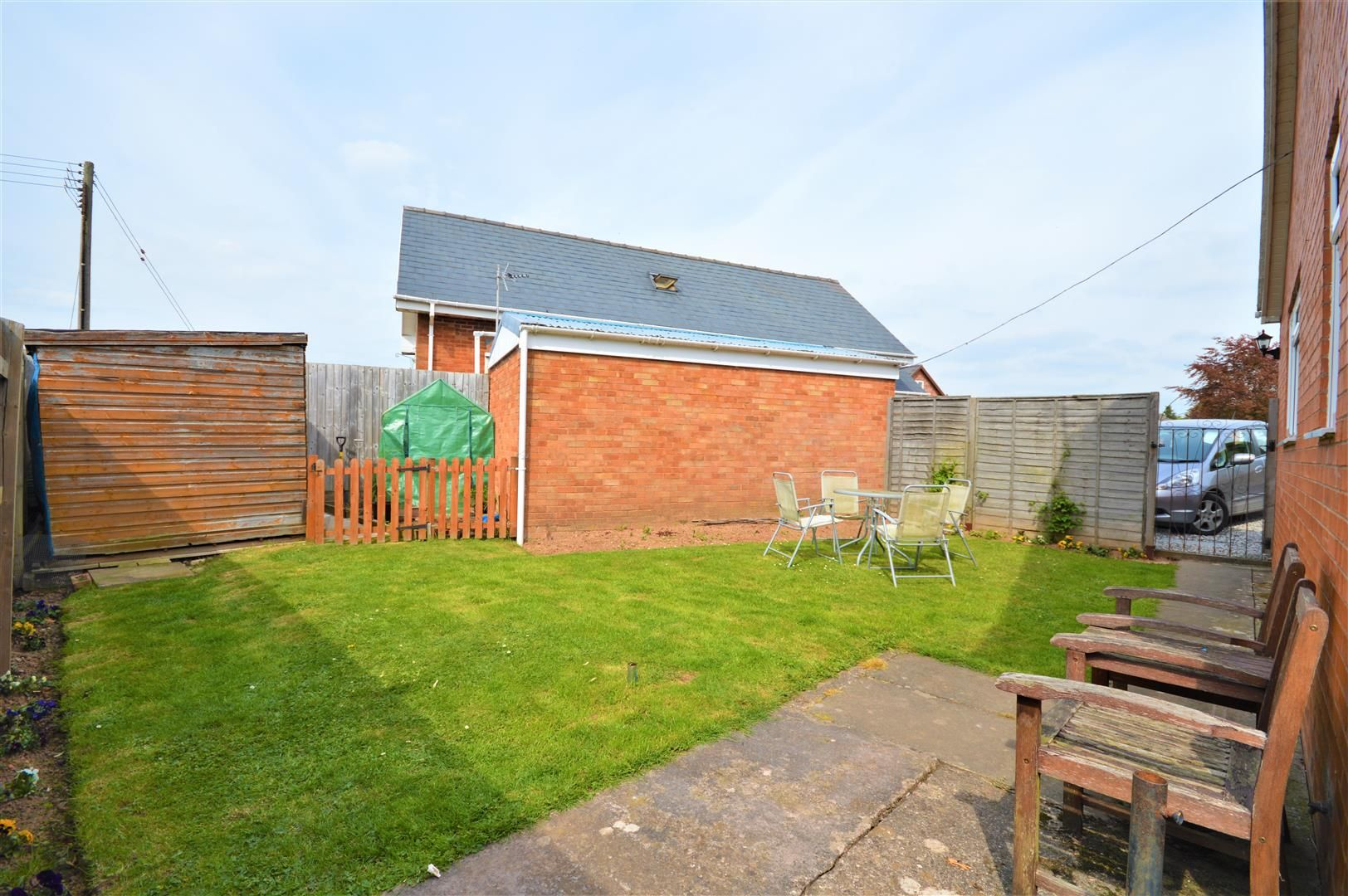 4 bed detached-bungalow for sale in Marden 13