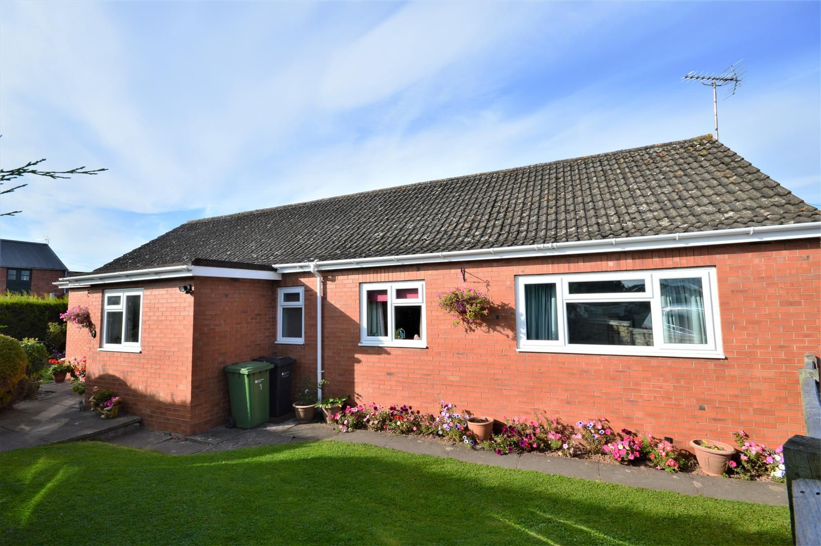 4 bed detached-bungalow for sale in Marden 15