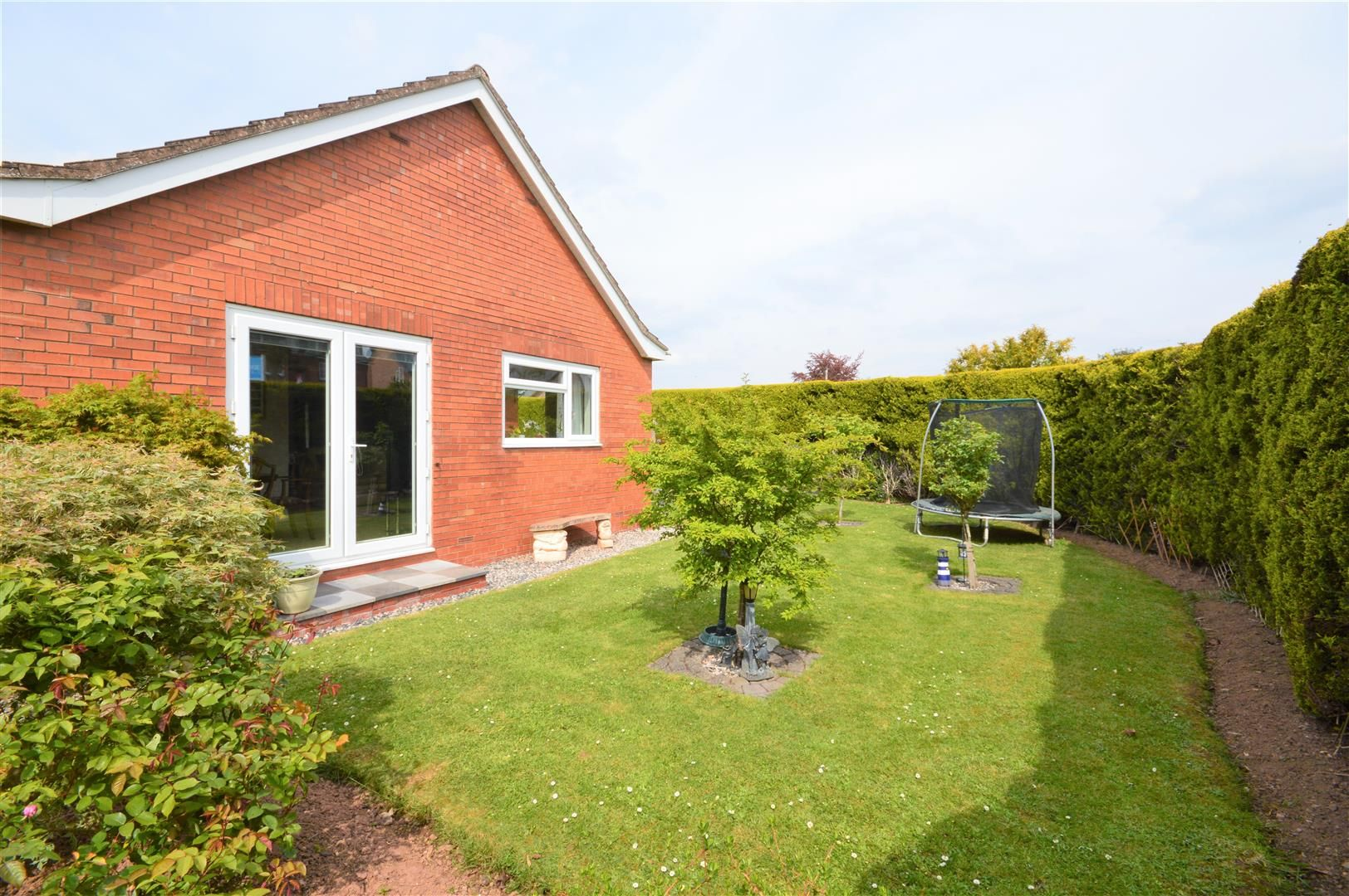4 bed detached-bungalow for sale in Marden 18