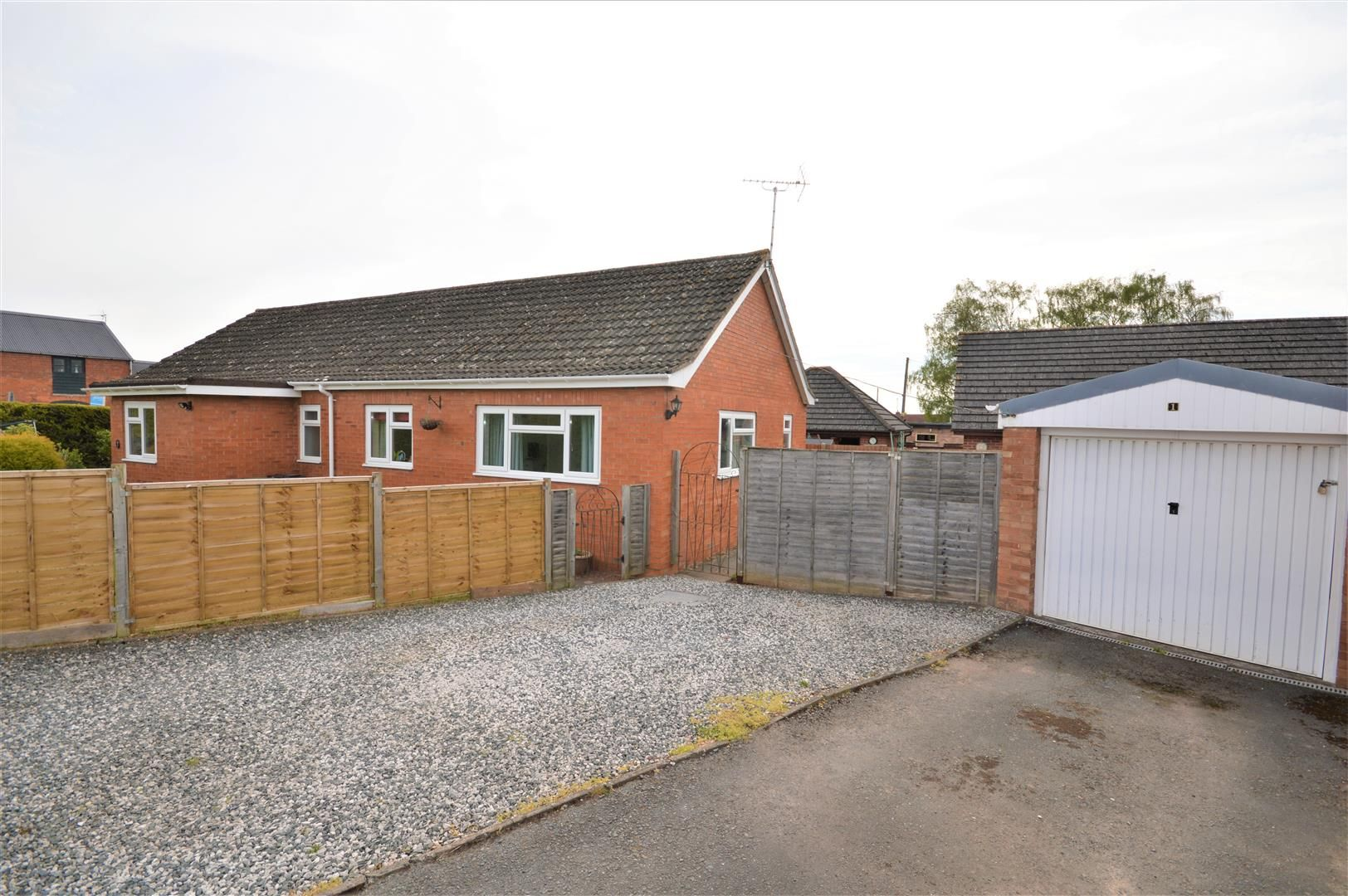 4 bed detached-bungalow for sale in Marden 3