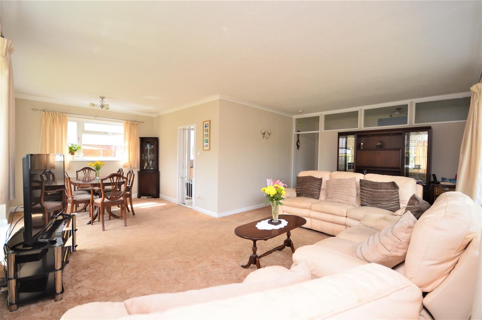 4 bed detached-bungalow for sale in Marden 4