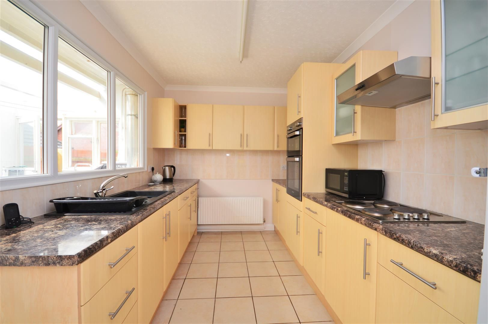 4 bed detached-bungalow for sale in Marden 5