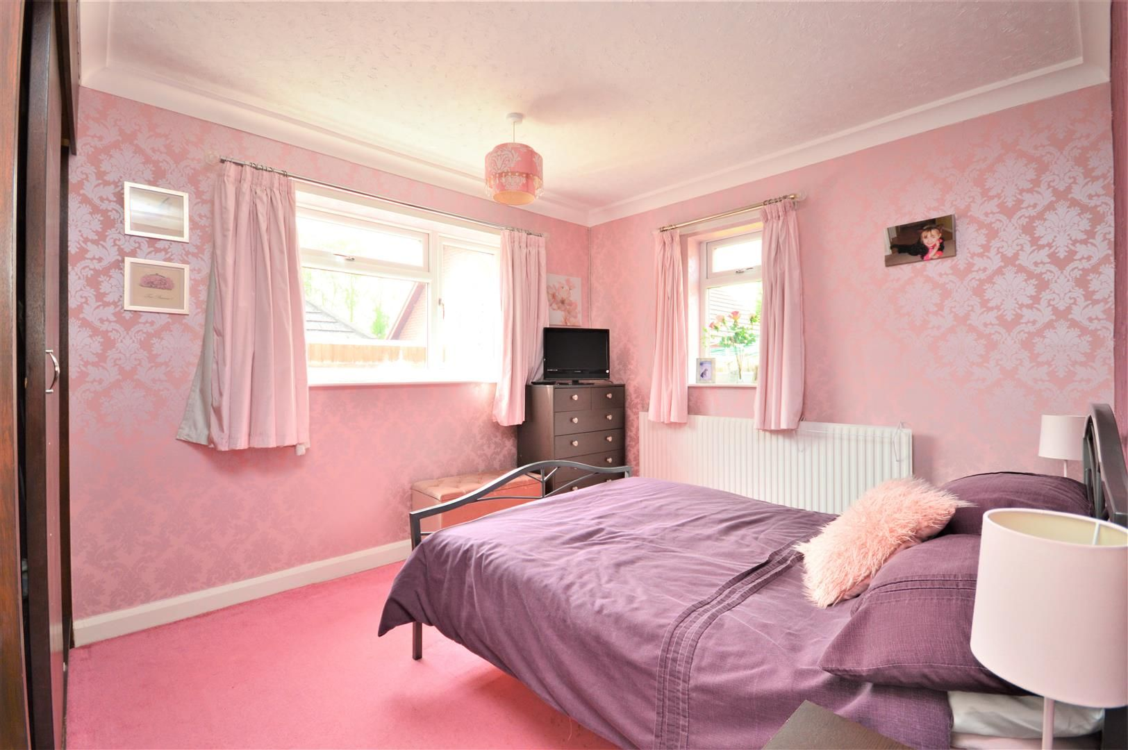 4 bed detached-bungalow for sale in Marden 9
