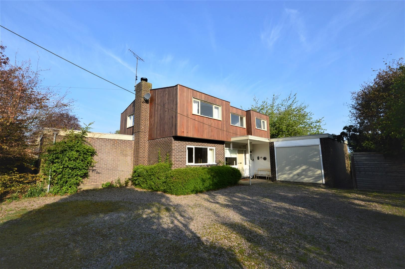 3 bed detached for sale in Eardisland  - Property Image 1
