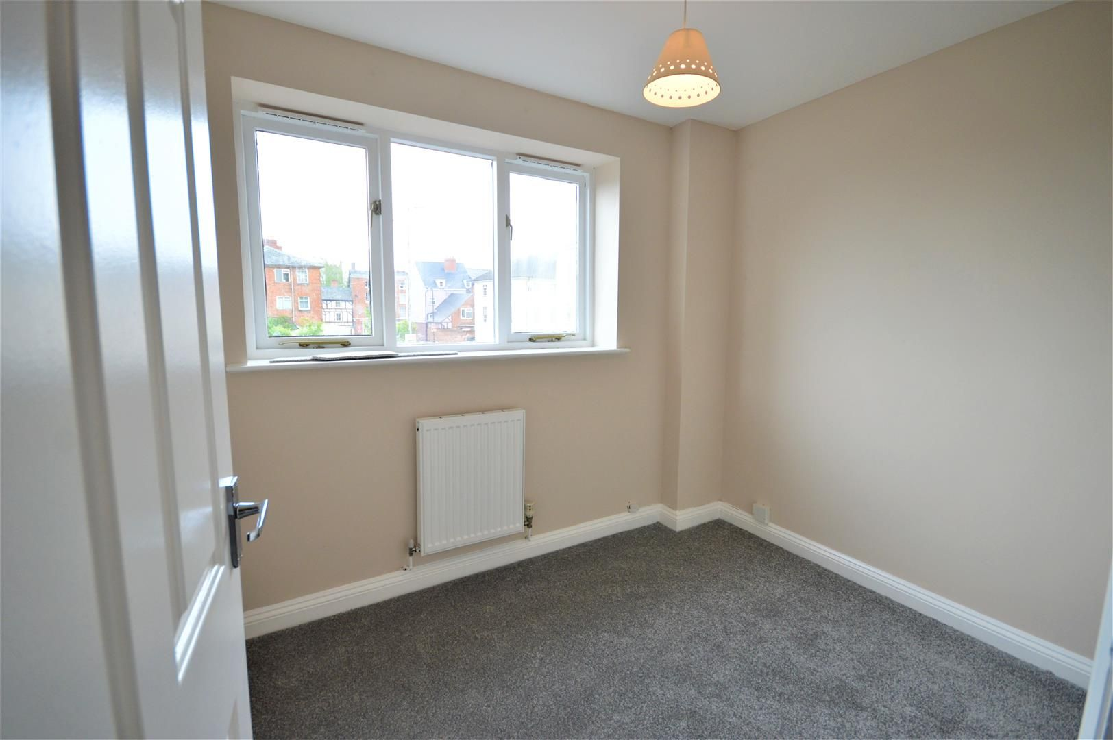 2 bed maisonette to rent in Leominster 5