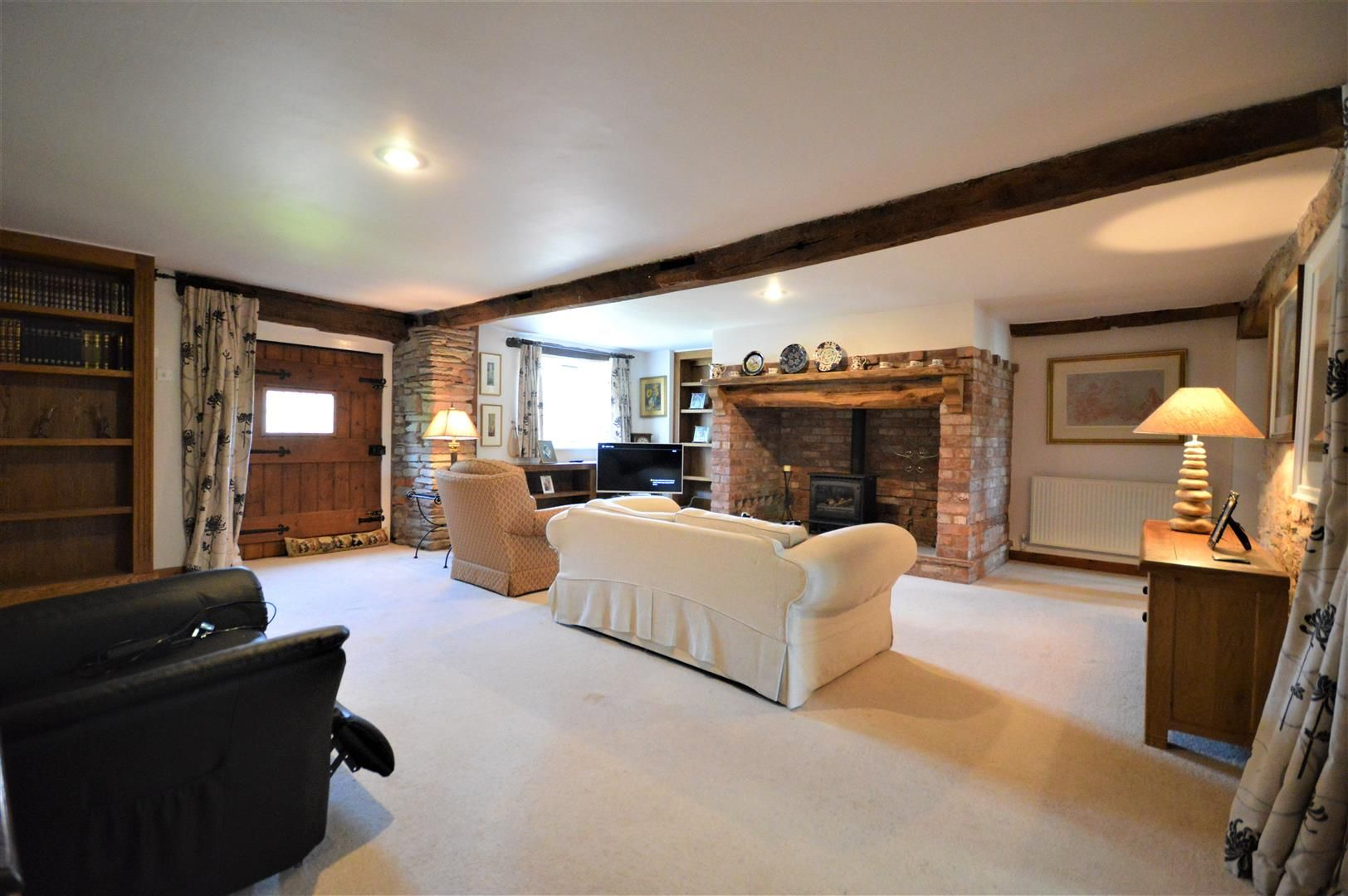 3 bed barn-conversion for sale in Stoke Prior 4
