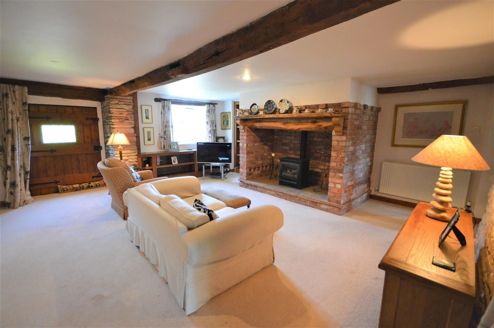 3 bed barn-conversion for sale in Stoke Prior 5