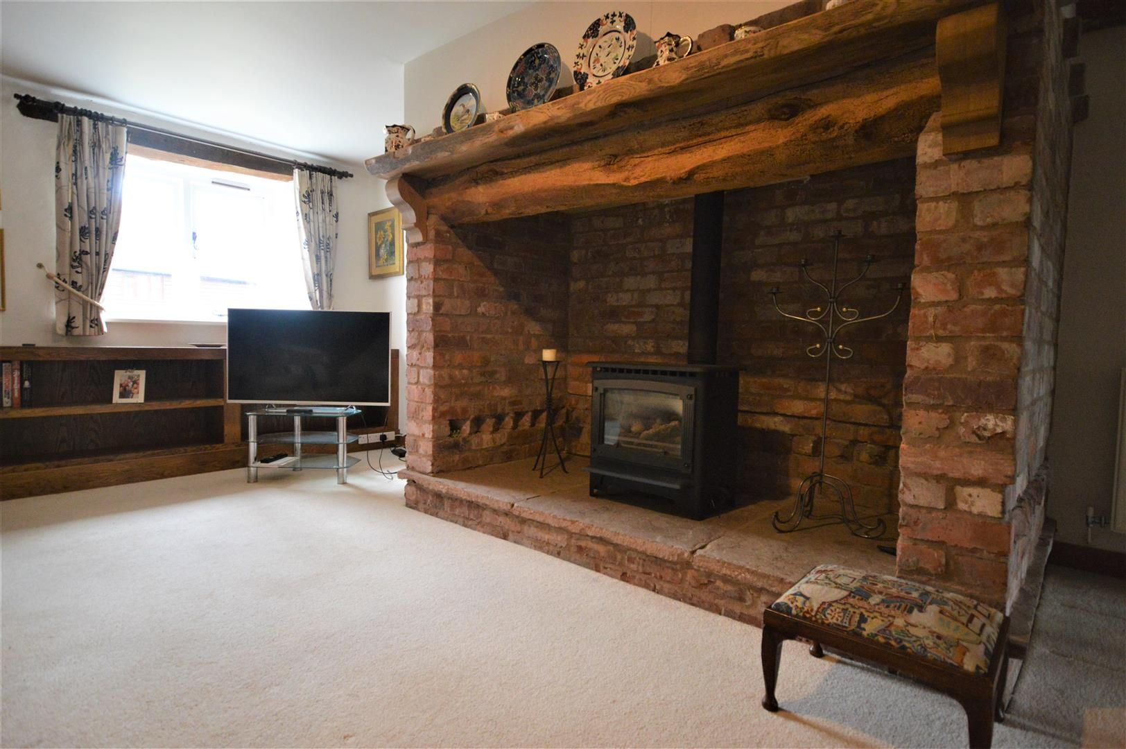 3 bed barn-conversion for sale in Stoke Prior 6