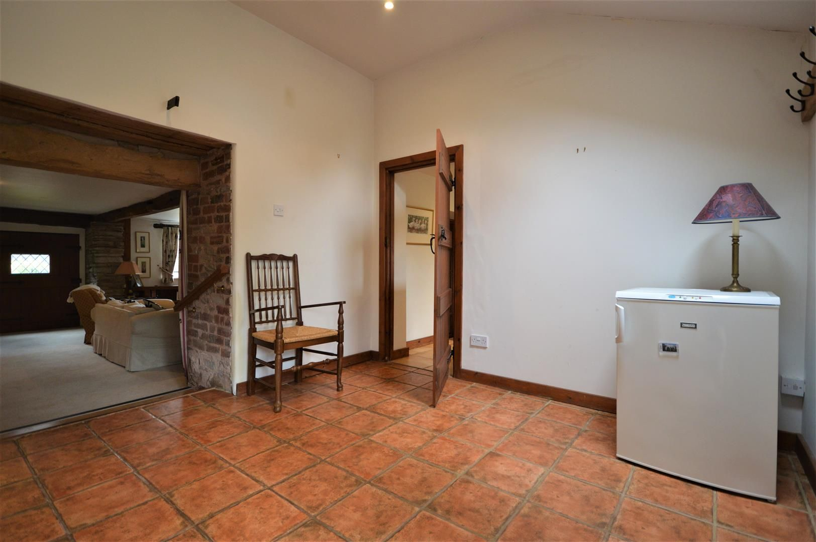 3 bed barn-conversion for sale in Stoke Prior 10