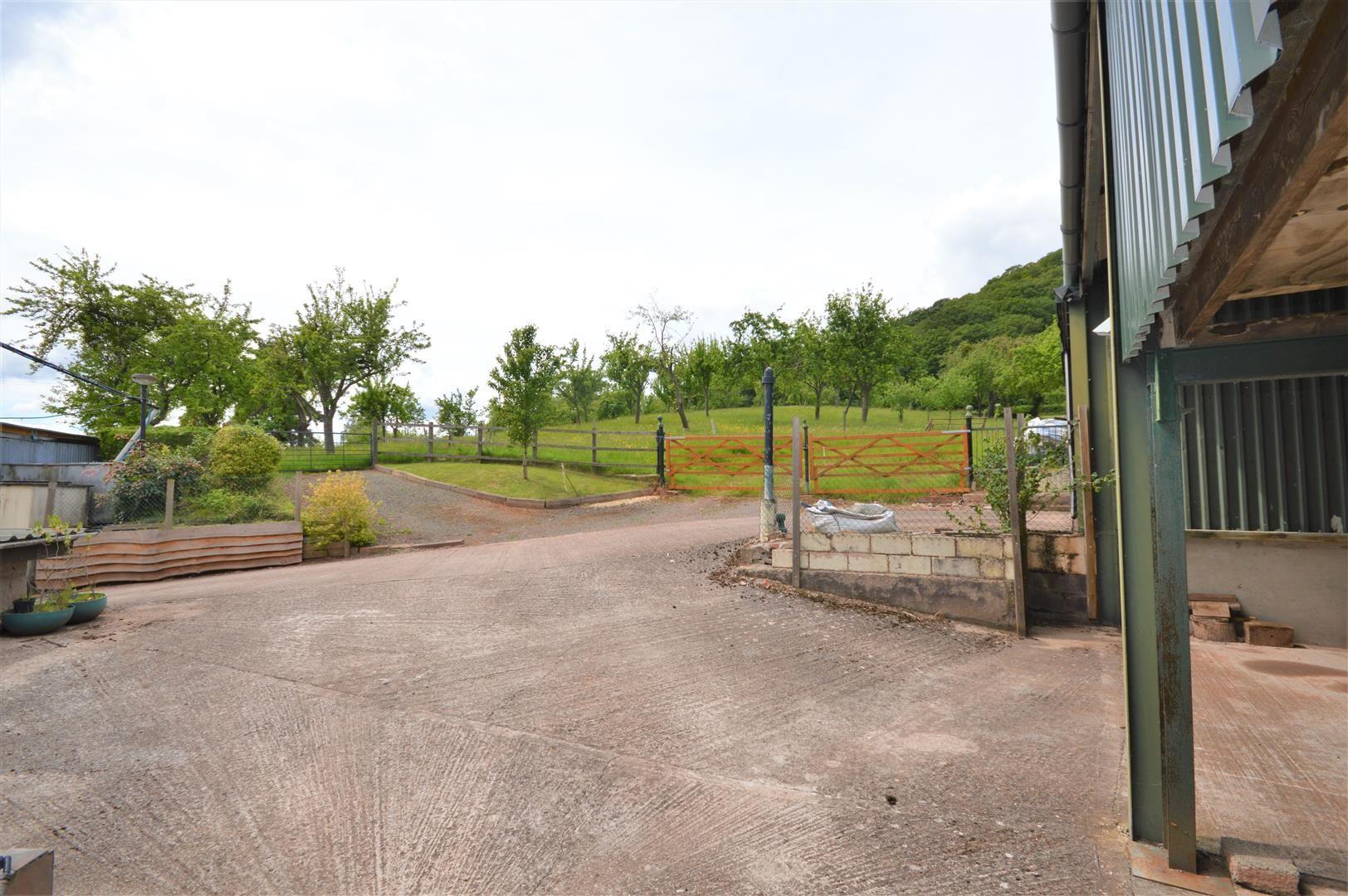 4 bed detached for sale in Tillington 21