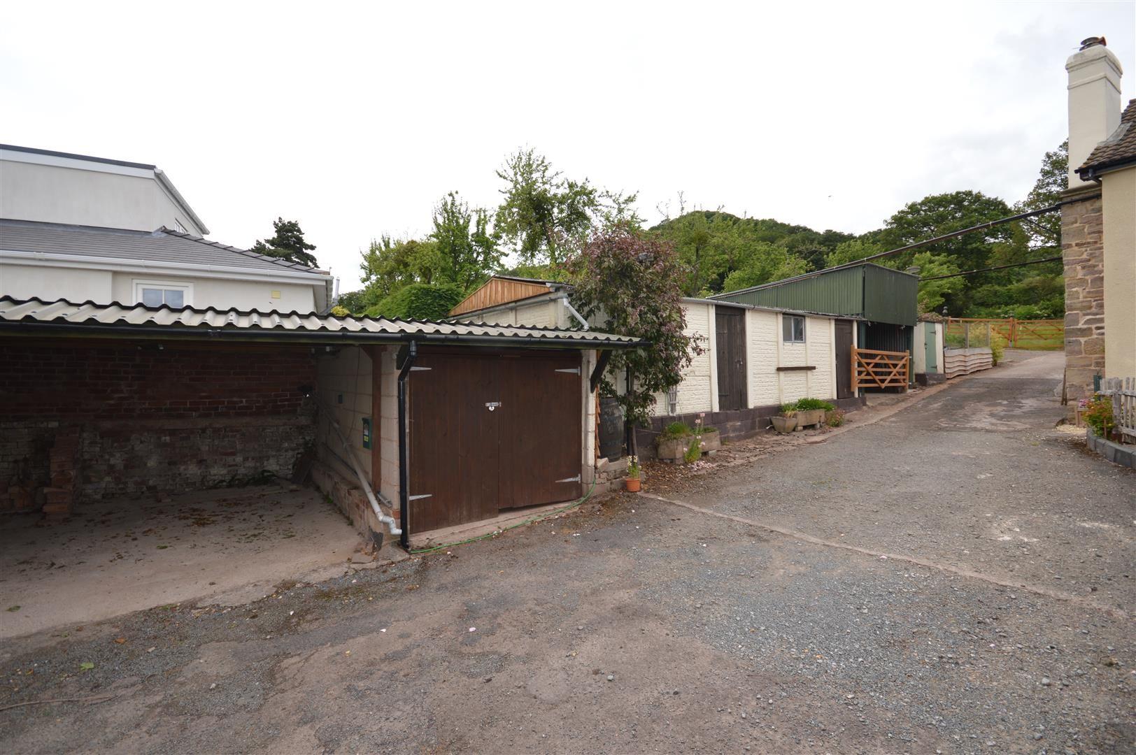 4 bed detached for sale in Tillington 22