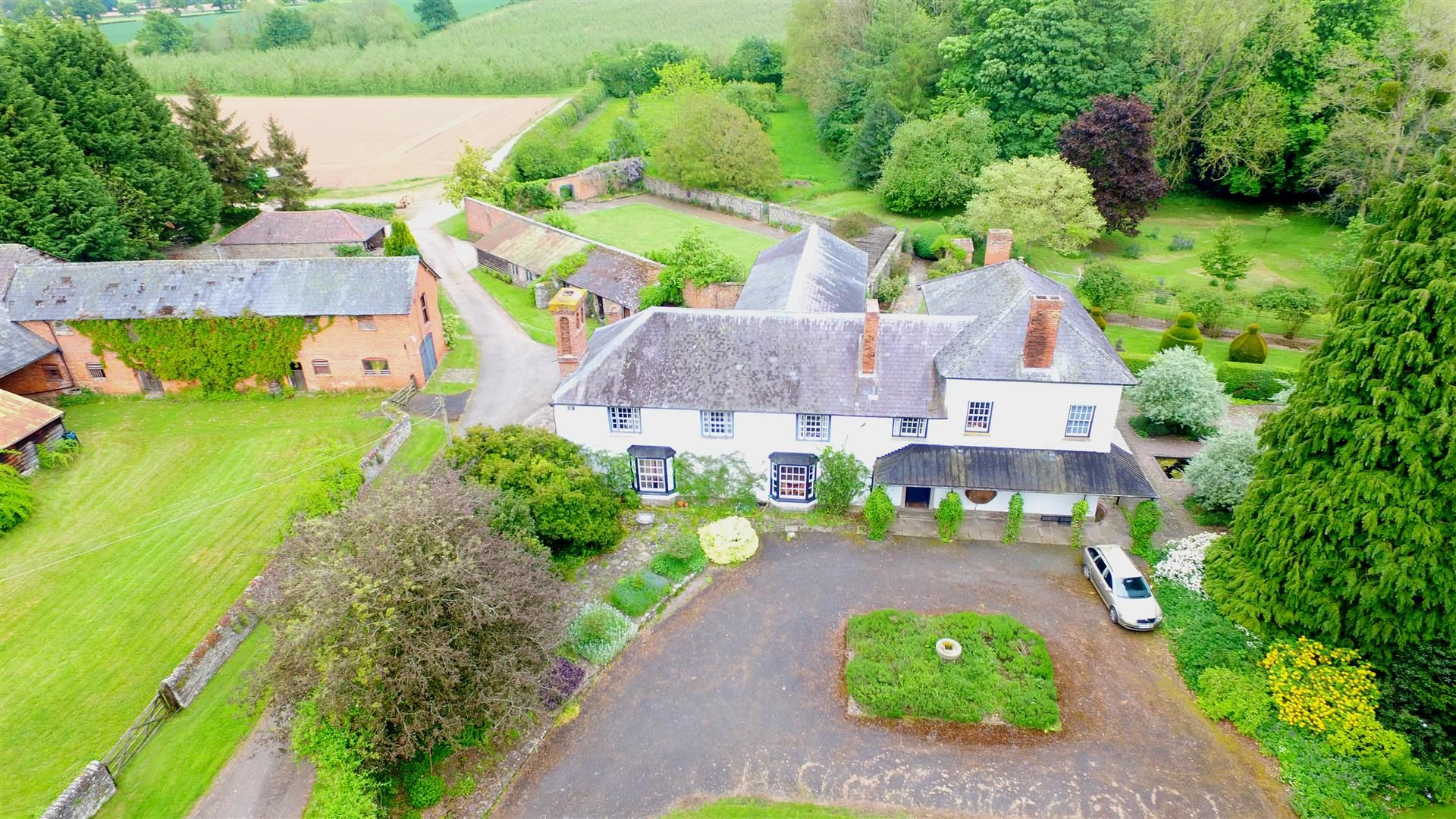6 bed country house for sale in Pembridge 11