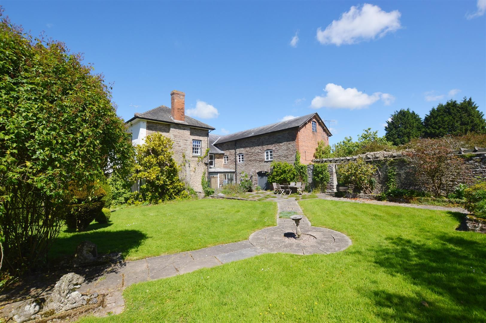 6 bed country house for sale in Pembridge 13