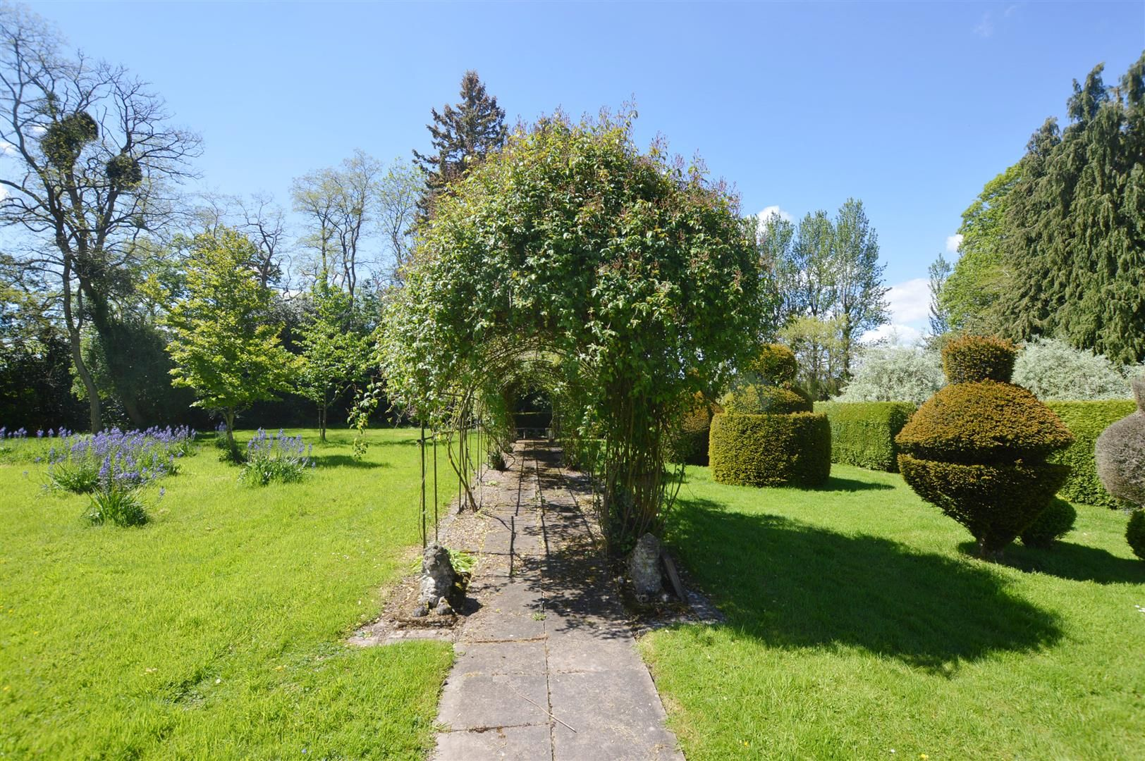 6 bed country house for sale in Pembridge 15
