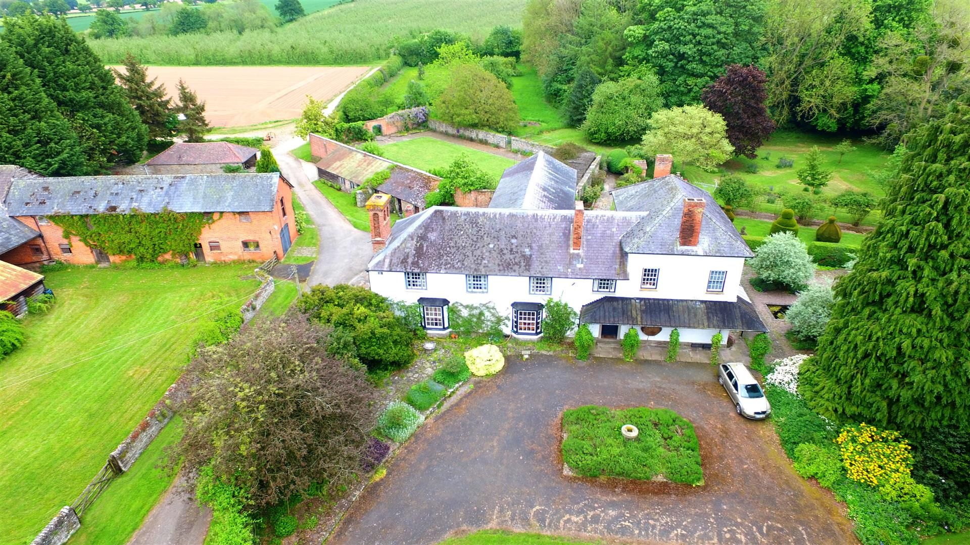6 bed country house for sale in Pembridge 18