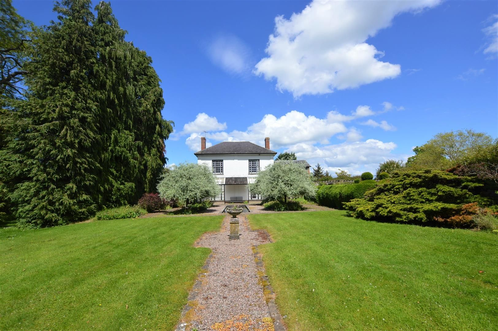 6 bed country house for sale in Pembridge 20