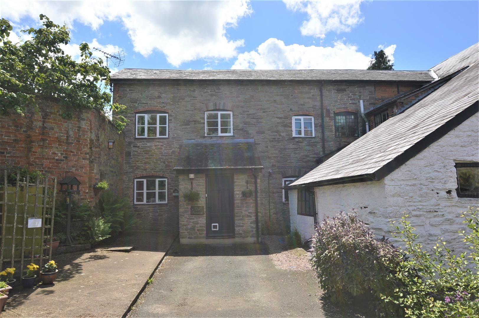 6 bed country house for sale in Pembridge 22