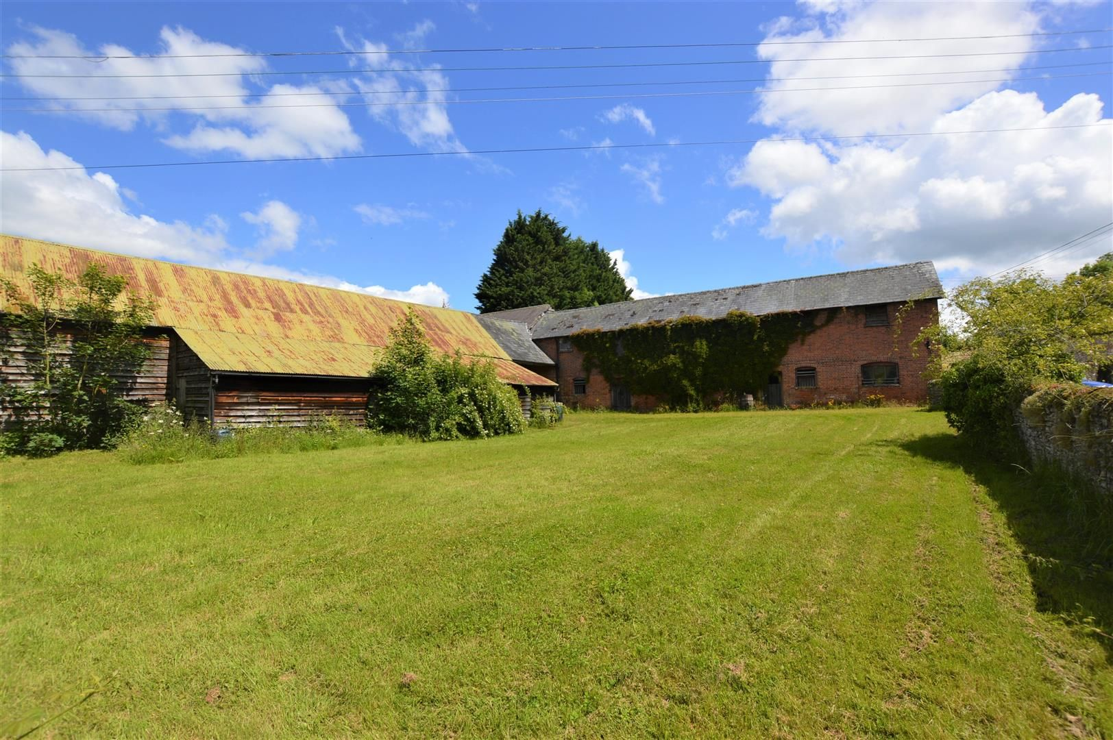 6 bed country house for sale in Pembridge 25