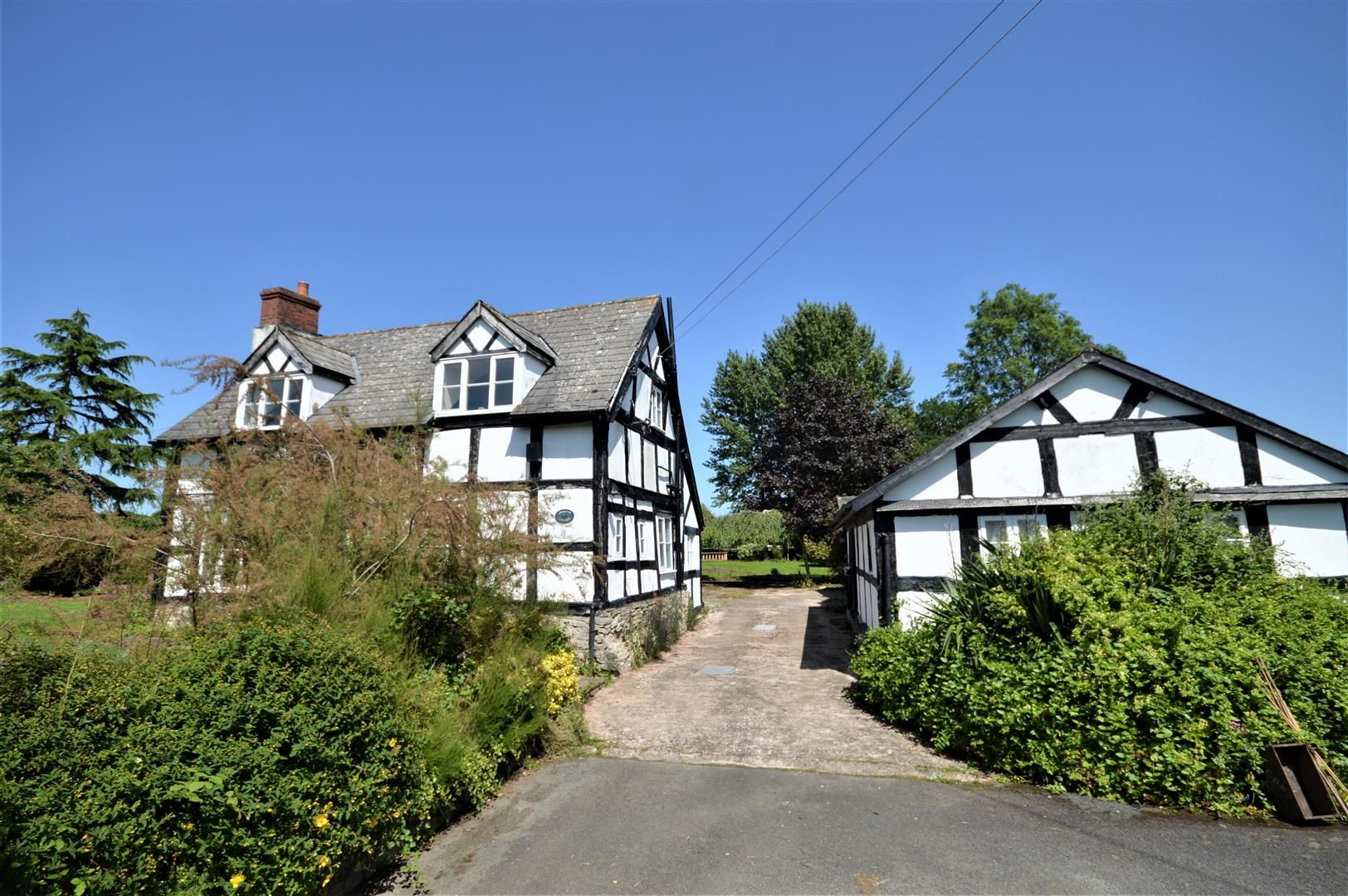 3 bed cottage for sale in Eardisland 1