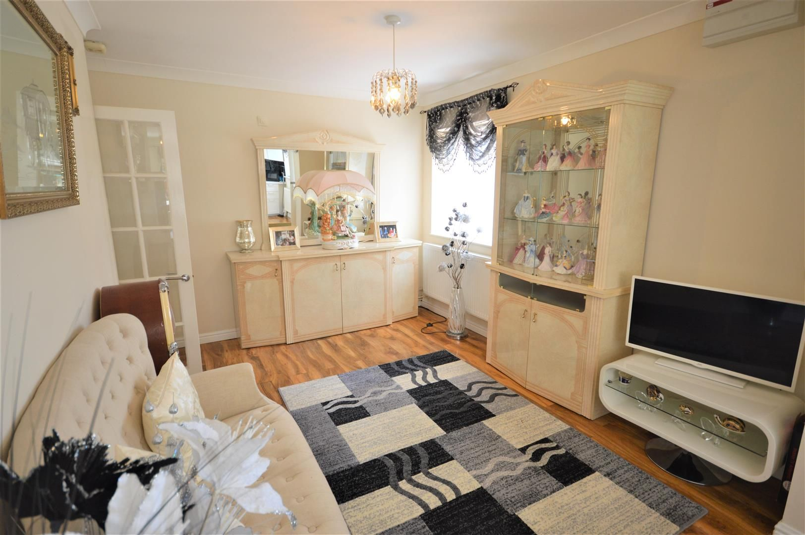 3 bed detached bungalow for sale in Leominster 4