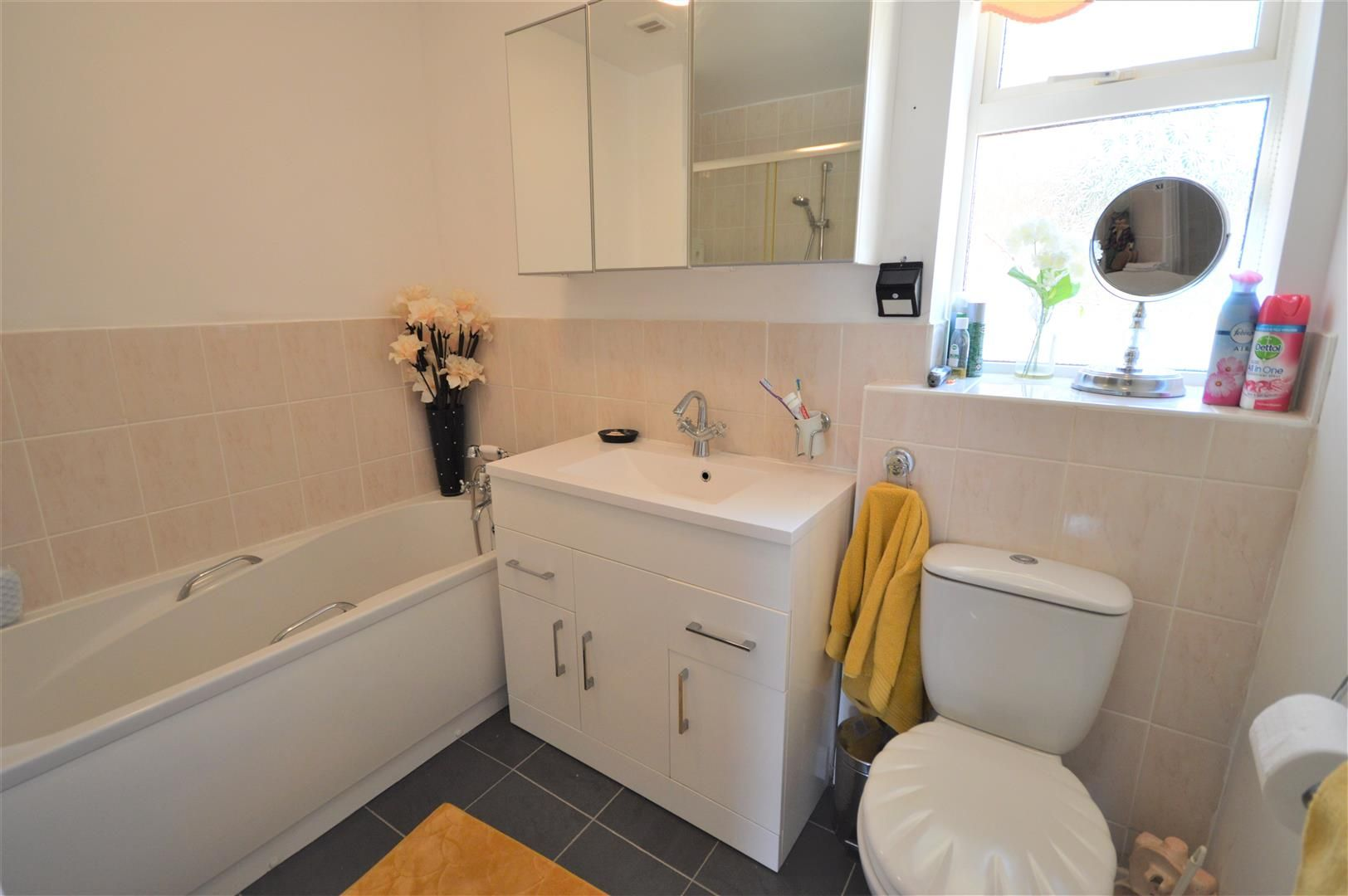 3 bed detached bungalow for sale in Leominster 8