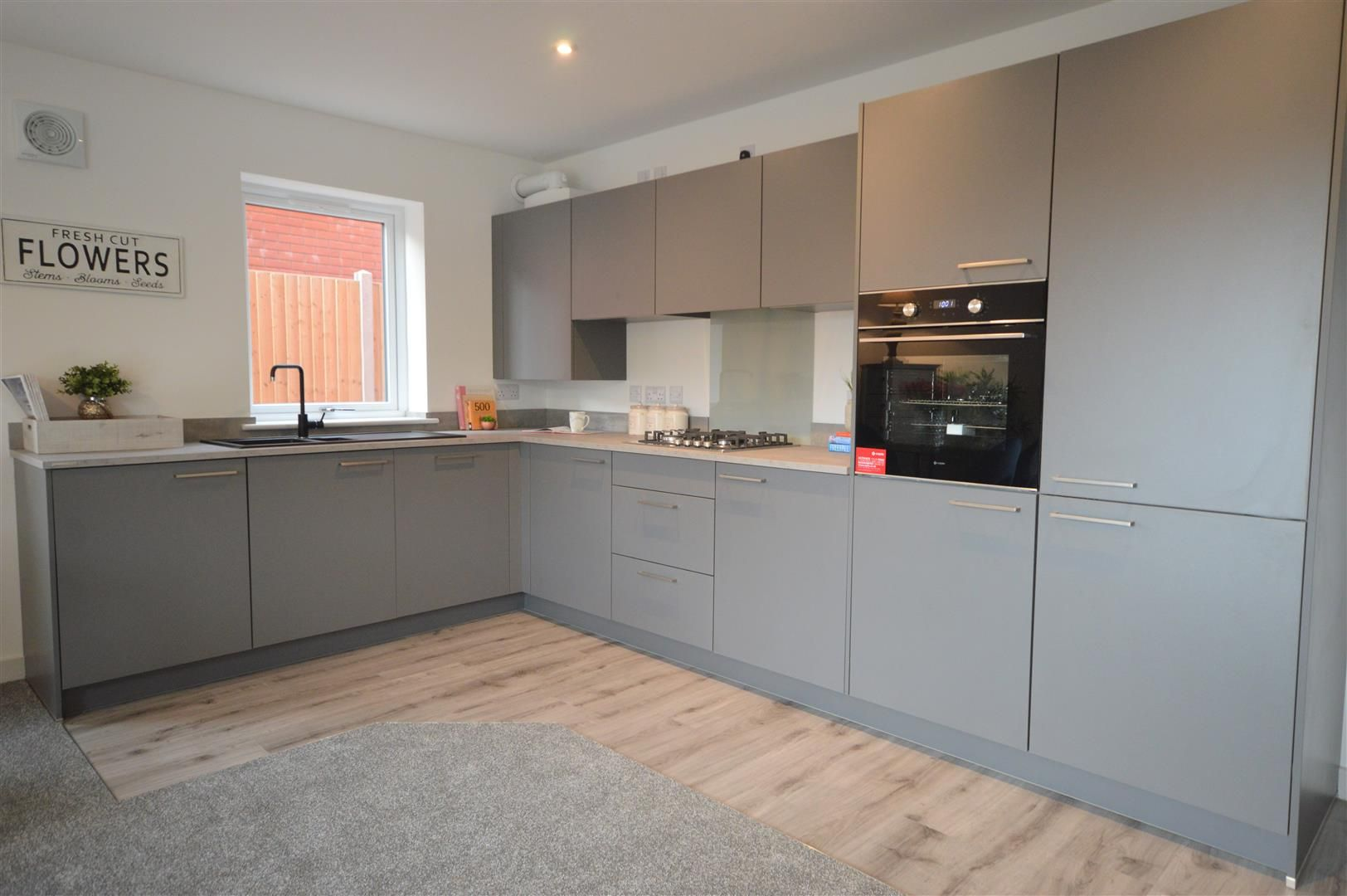 2 bed house for sale in Leominster 7