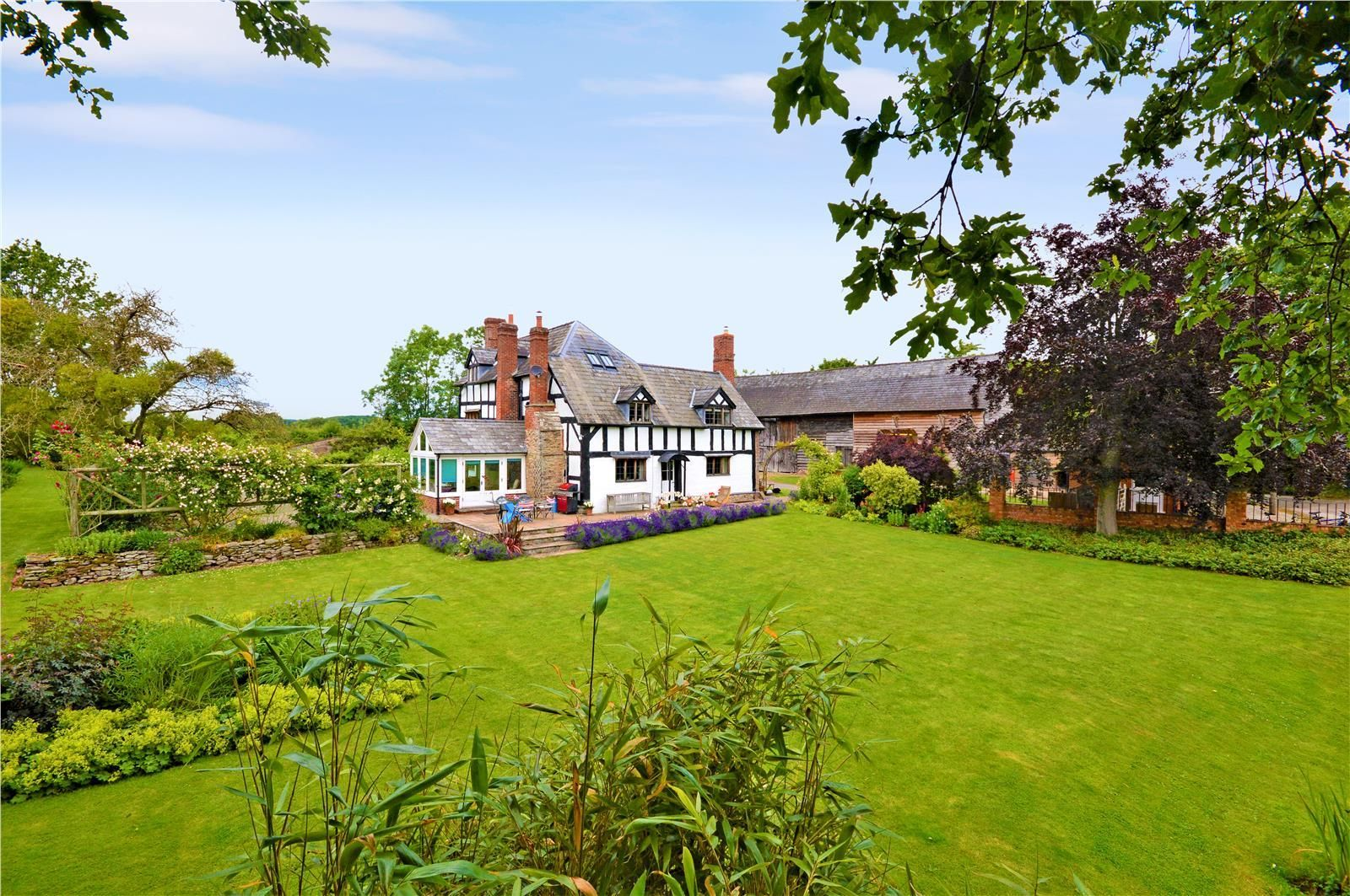 4 bed detached for sale in Dilwyn 3