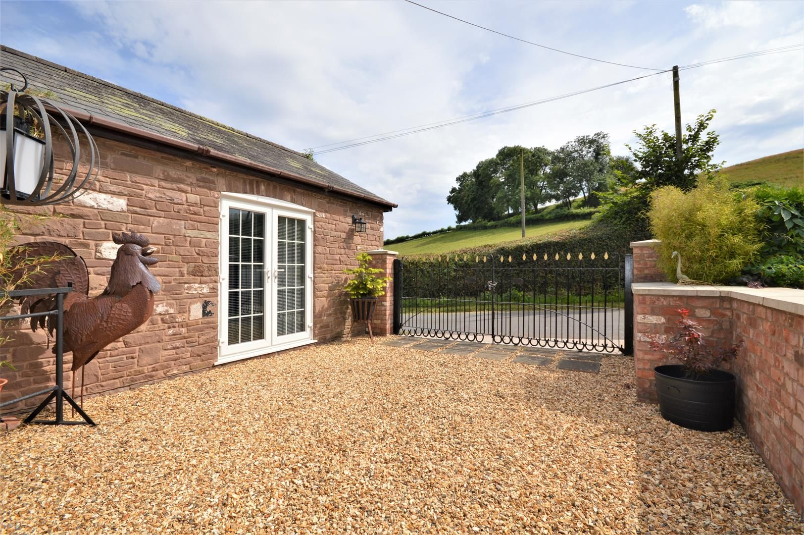 3 bed detached for sale in Orcop 20