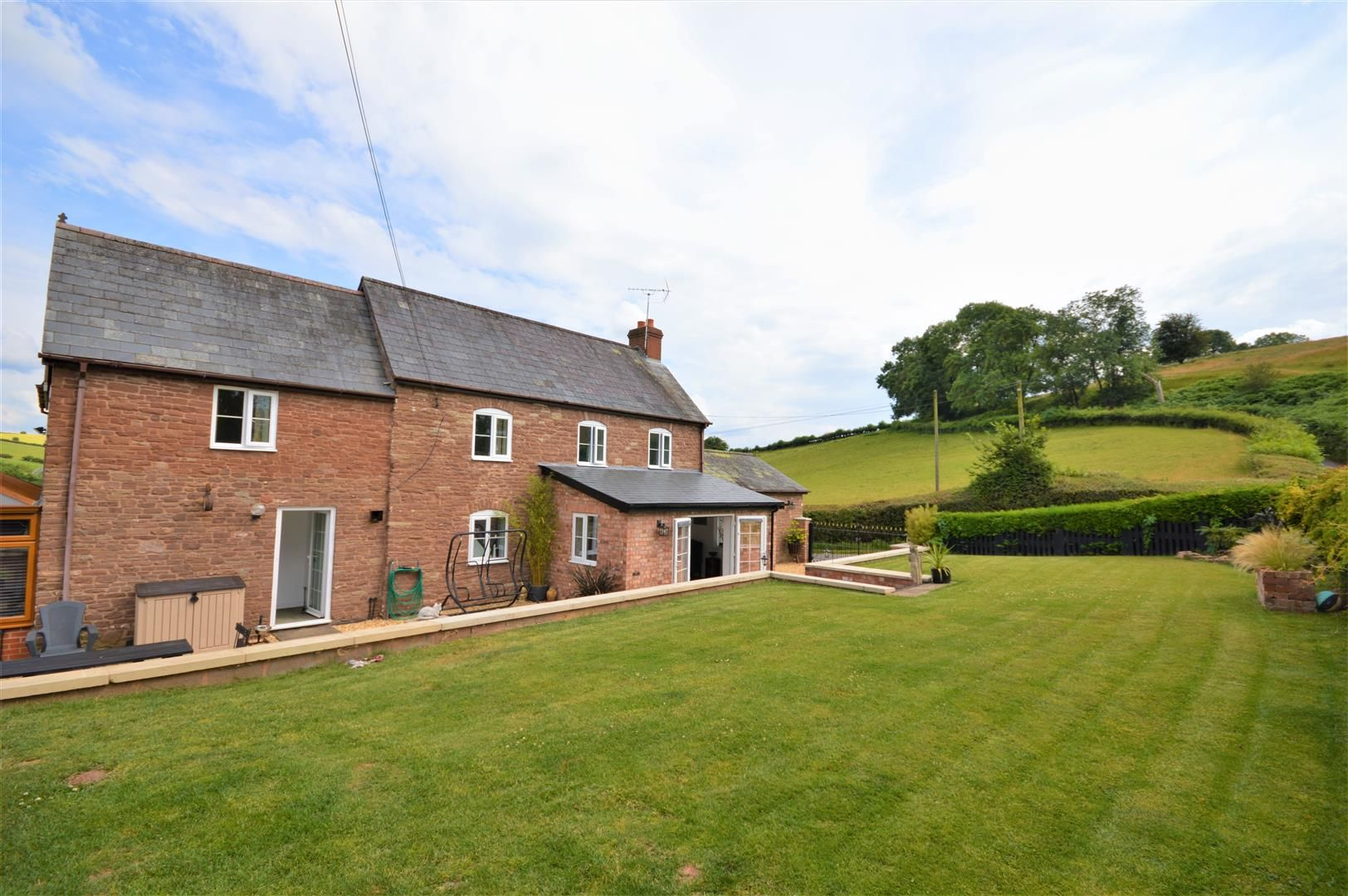 3 bed detached for sale in Orcop 4