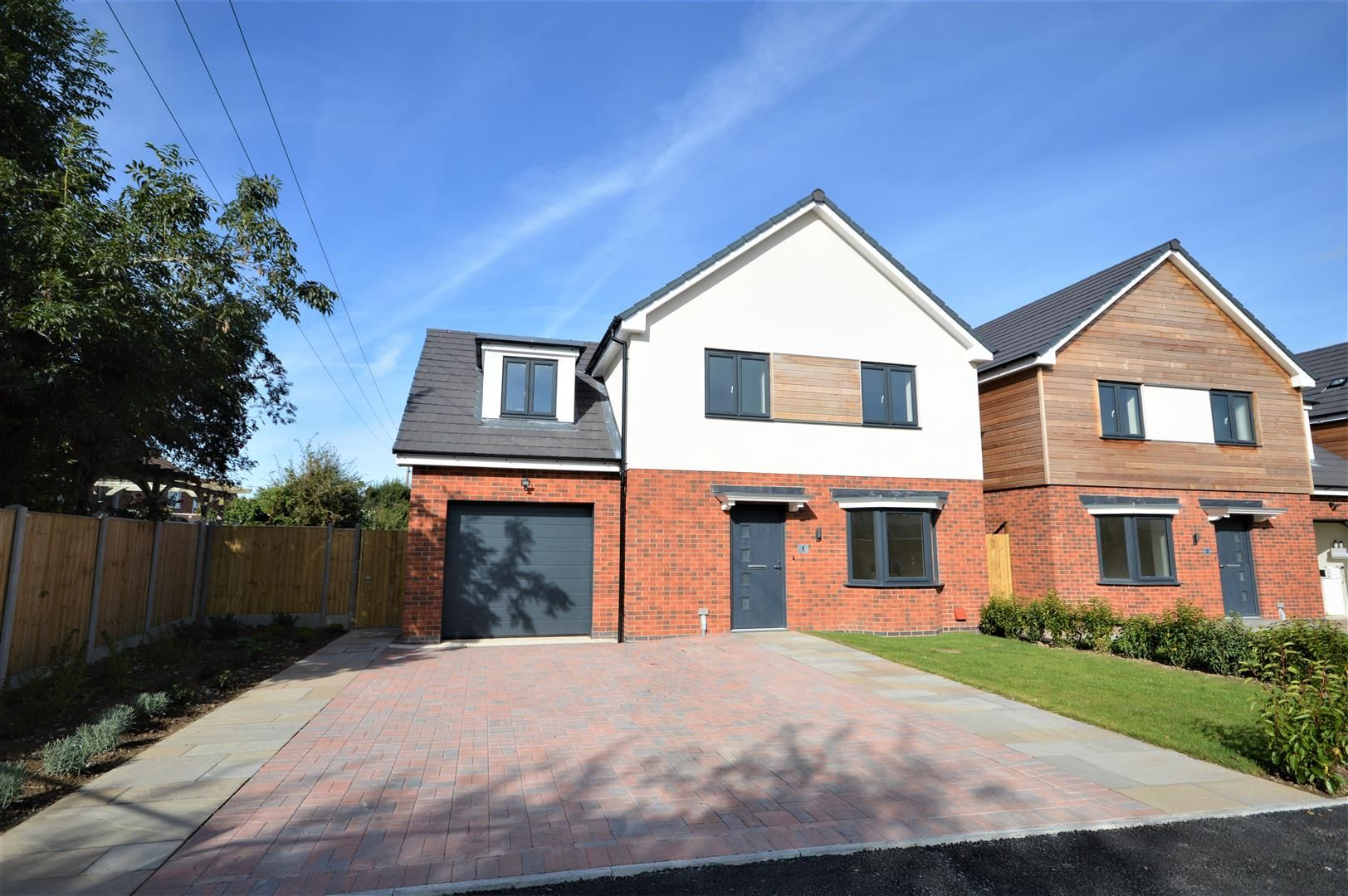 4 bed detached for sale in Kingsland - Property Image 1