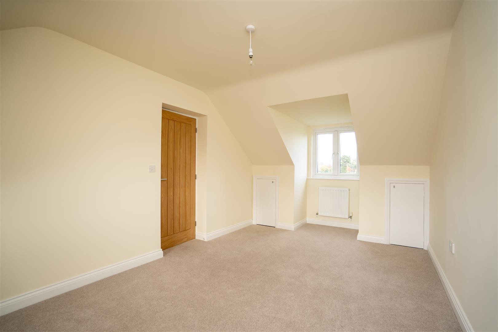 4 bed detached for sale in Kingsland  - Property Image 14