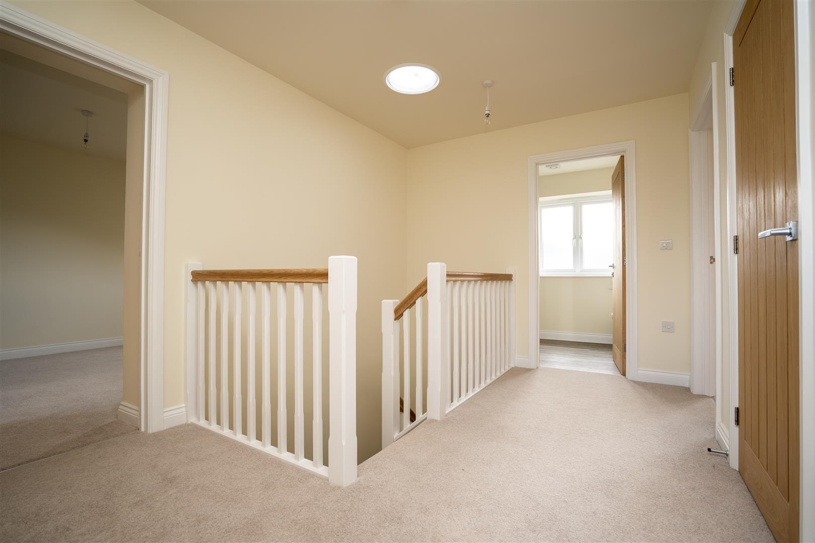 4 bed detached for sale in Kingsland 20