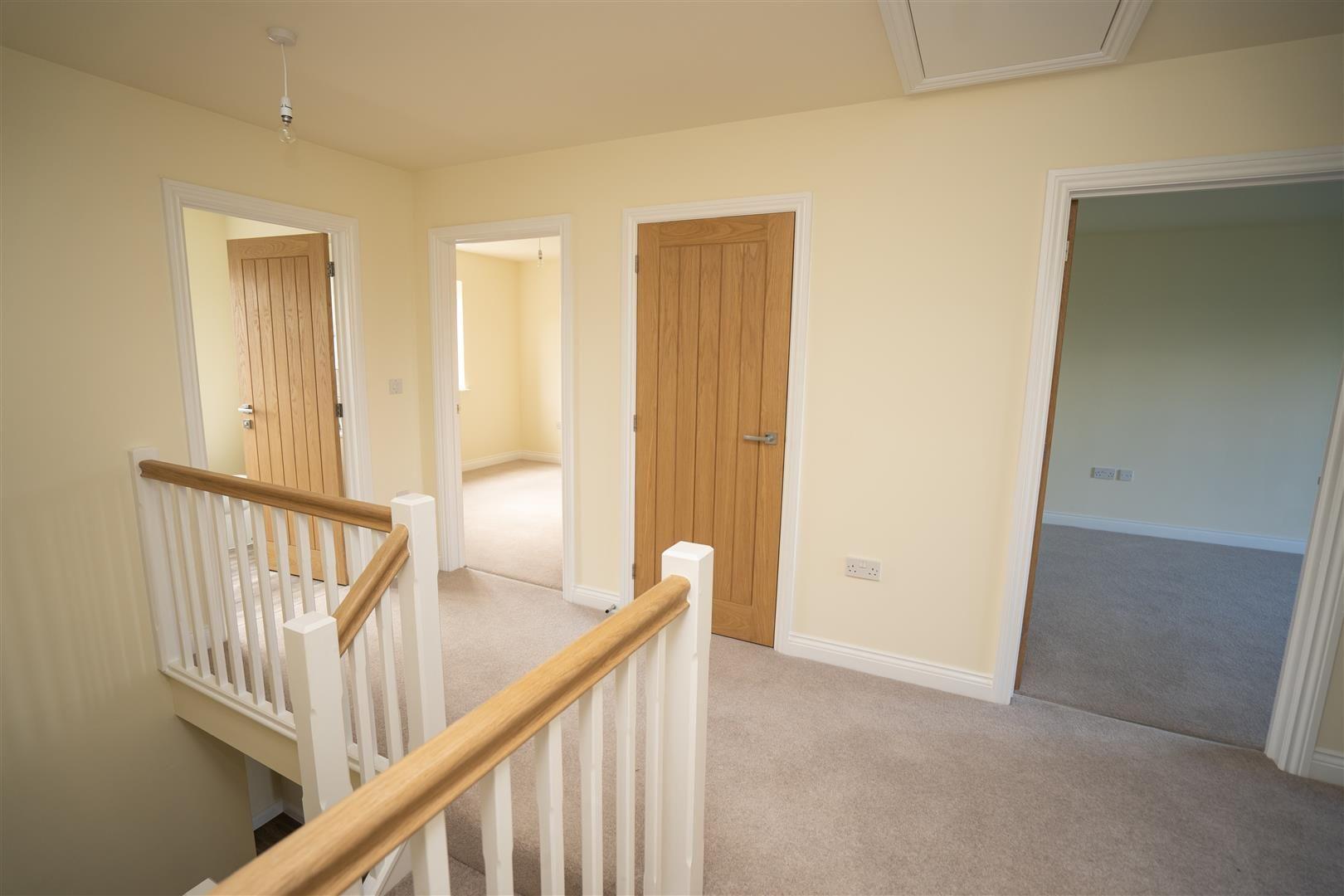 4 bed detached for sale in Kingsland 21