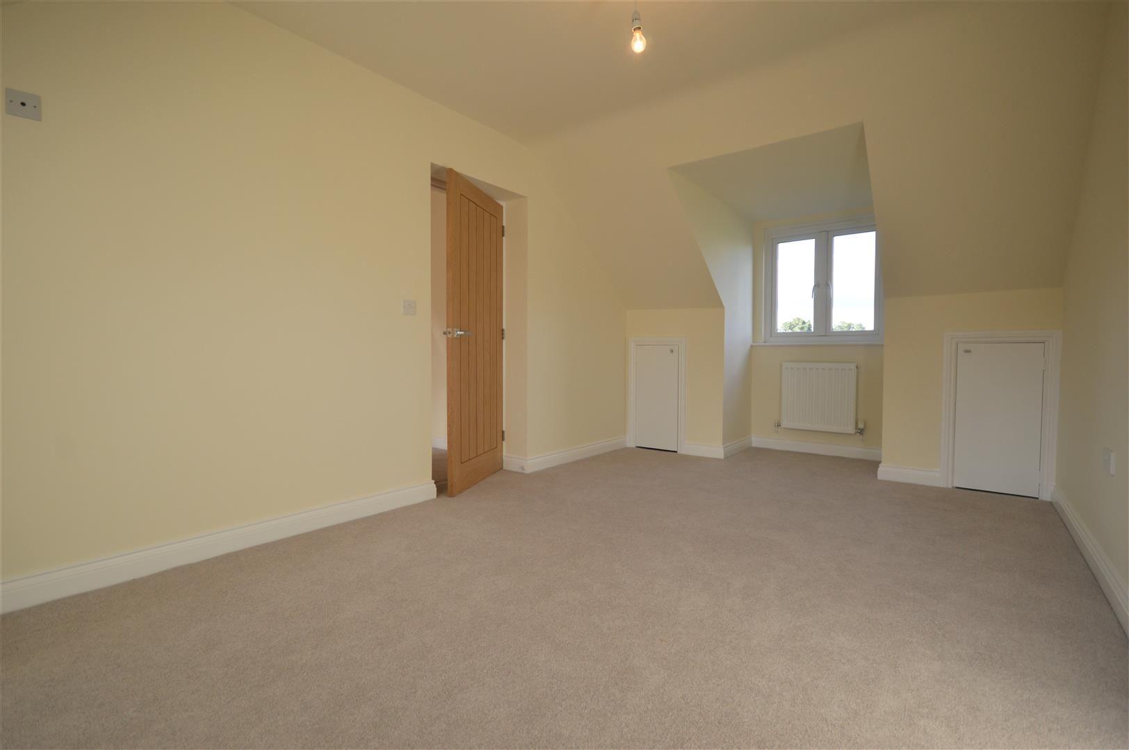 4 bed detached for sale in Kingsland  - Property Image 11