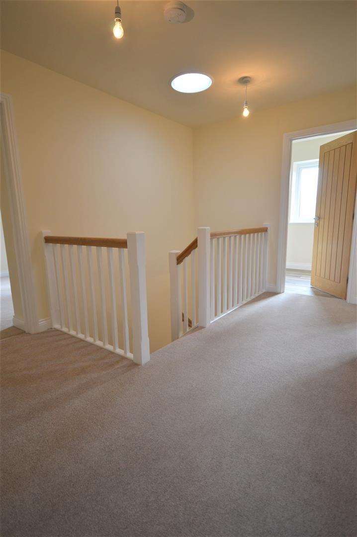 4 bed detached for sale in Kingsland 15