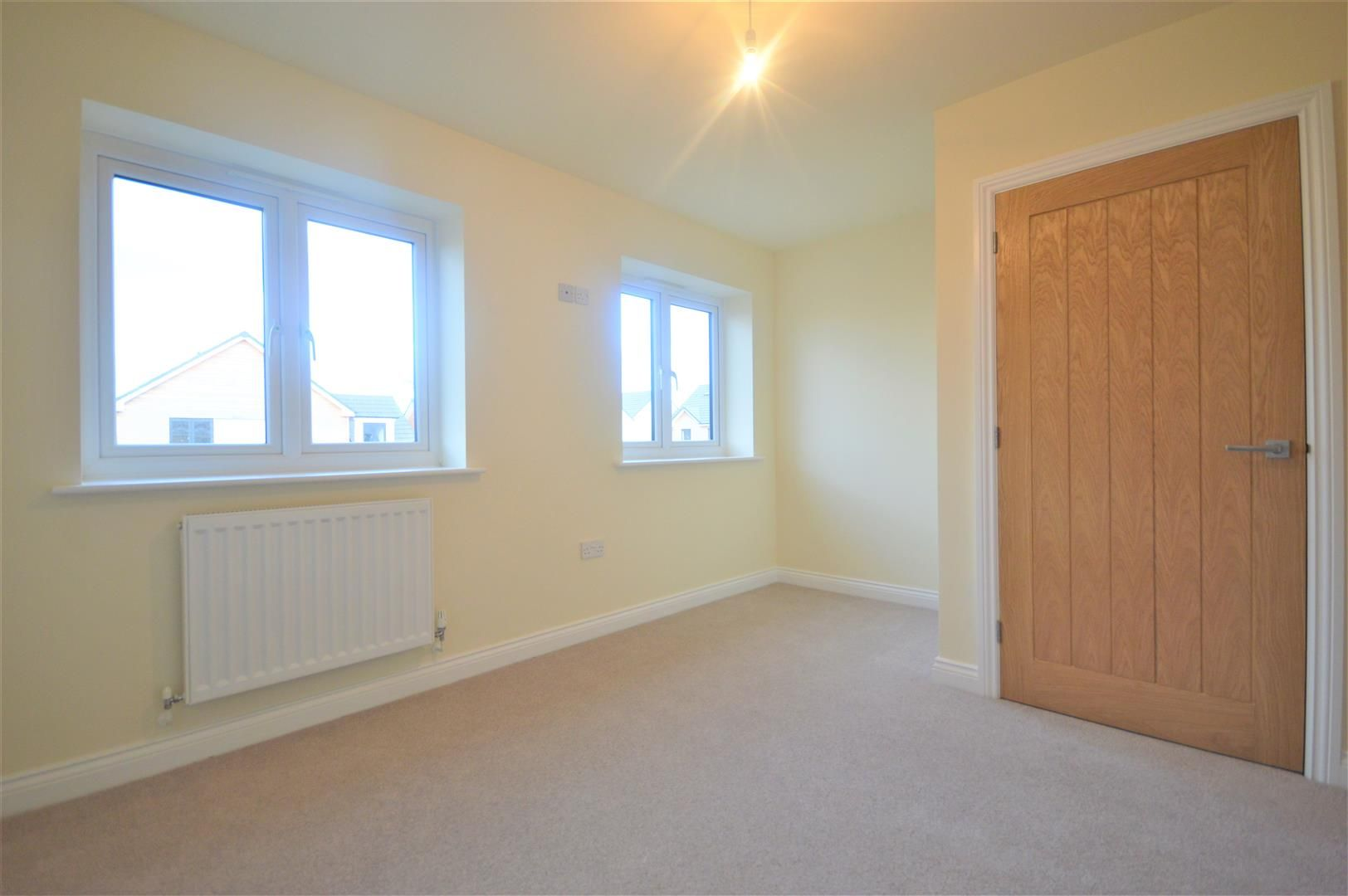 2 bed terraced for sale in Kingsland 7