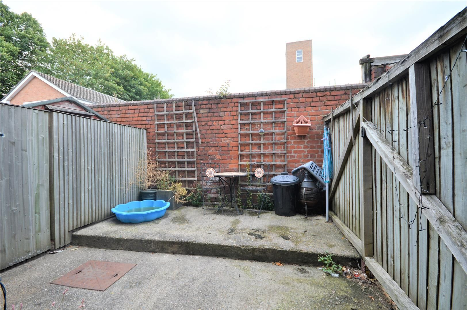 3 bed town-house for sale in Hereford 12