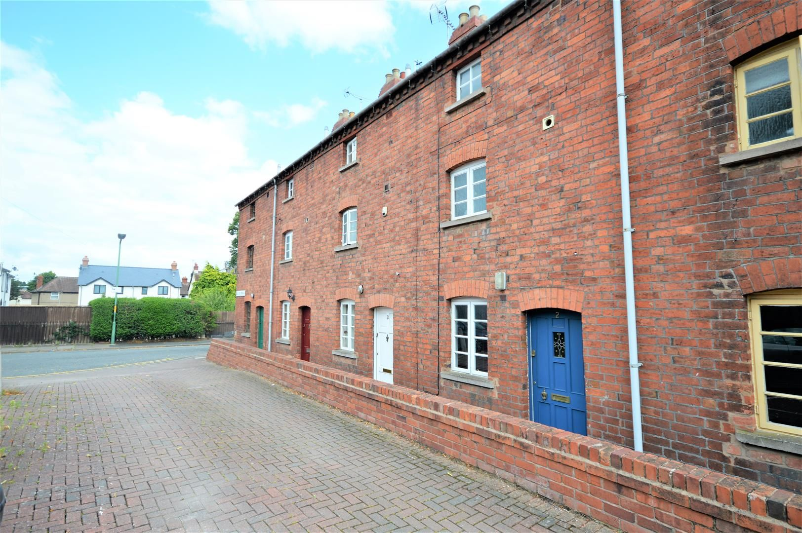 3 bed town-house for sale in Hereford 13