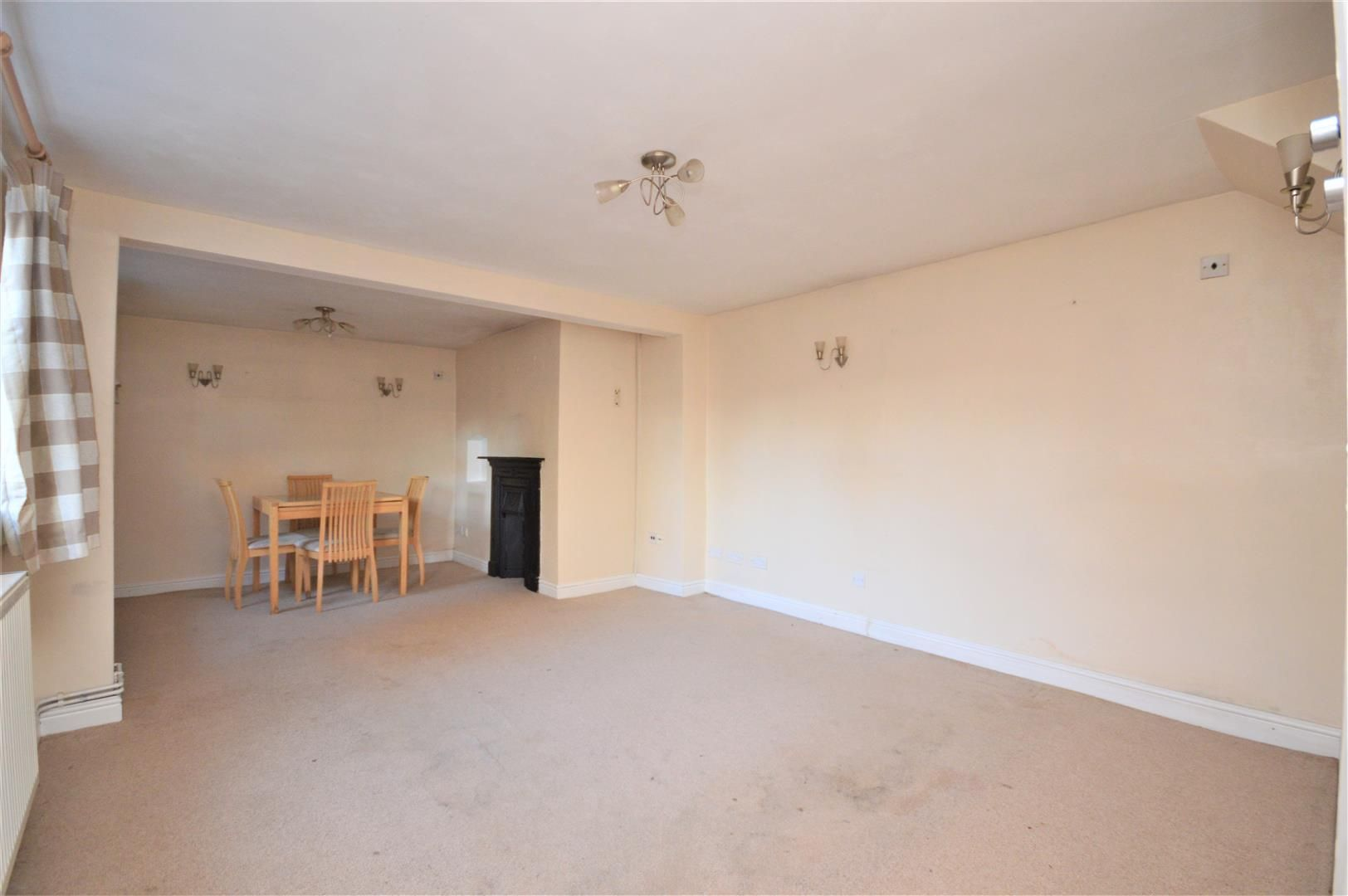 3 bed link detached house for sale in Whitecross 2