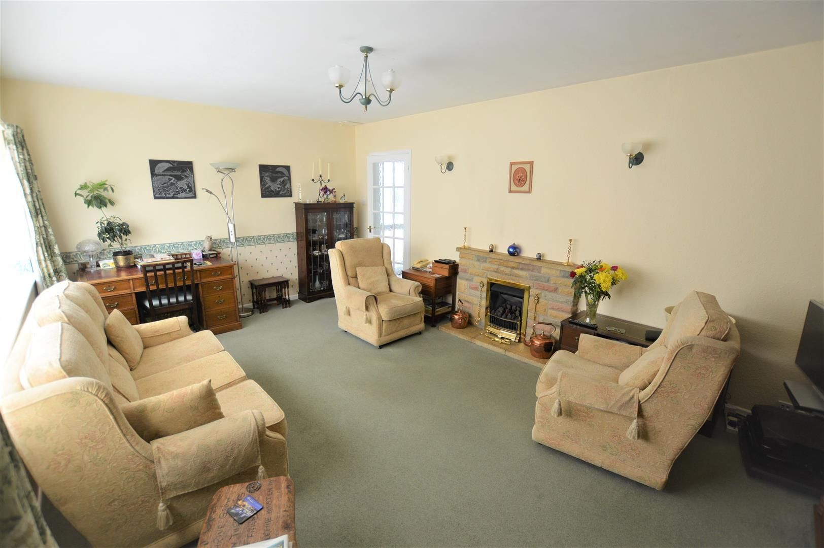3 bed detached-bungalow for sale in Bodenham 2