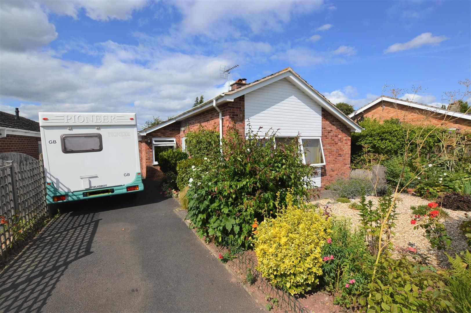 3 bed detached-bungalow for sale in Bodenham 10