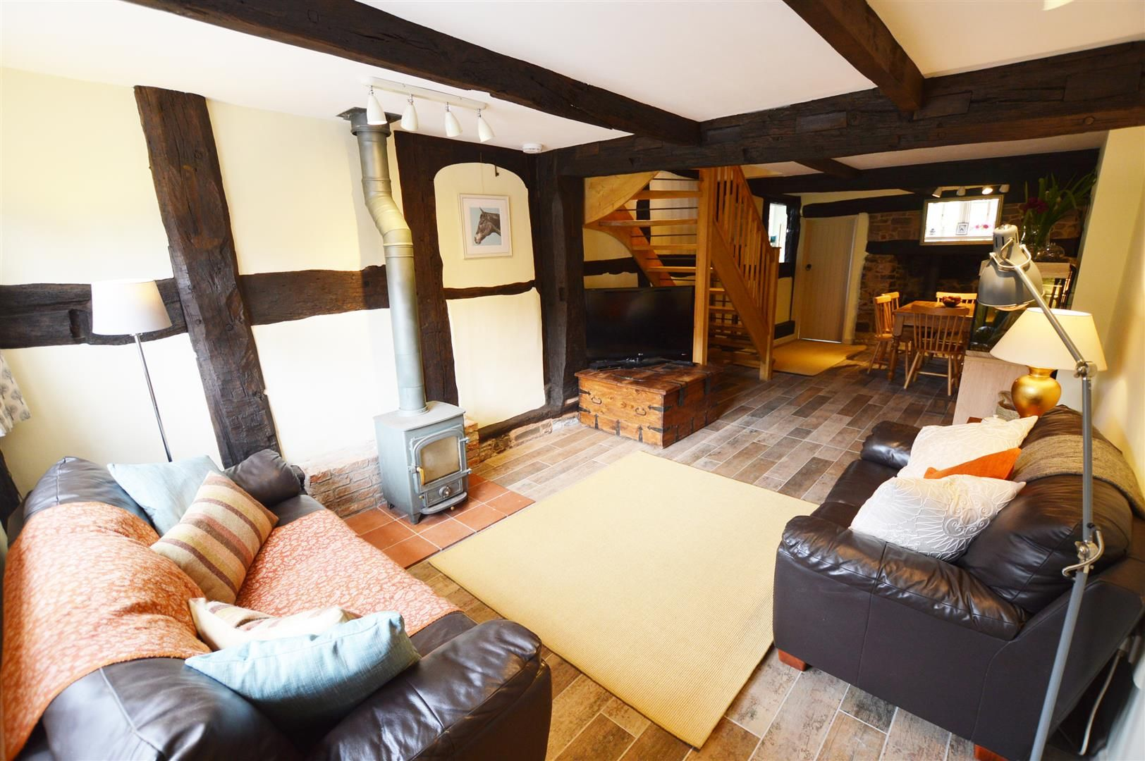 3 bed cottage for sale in Pembridge 2