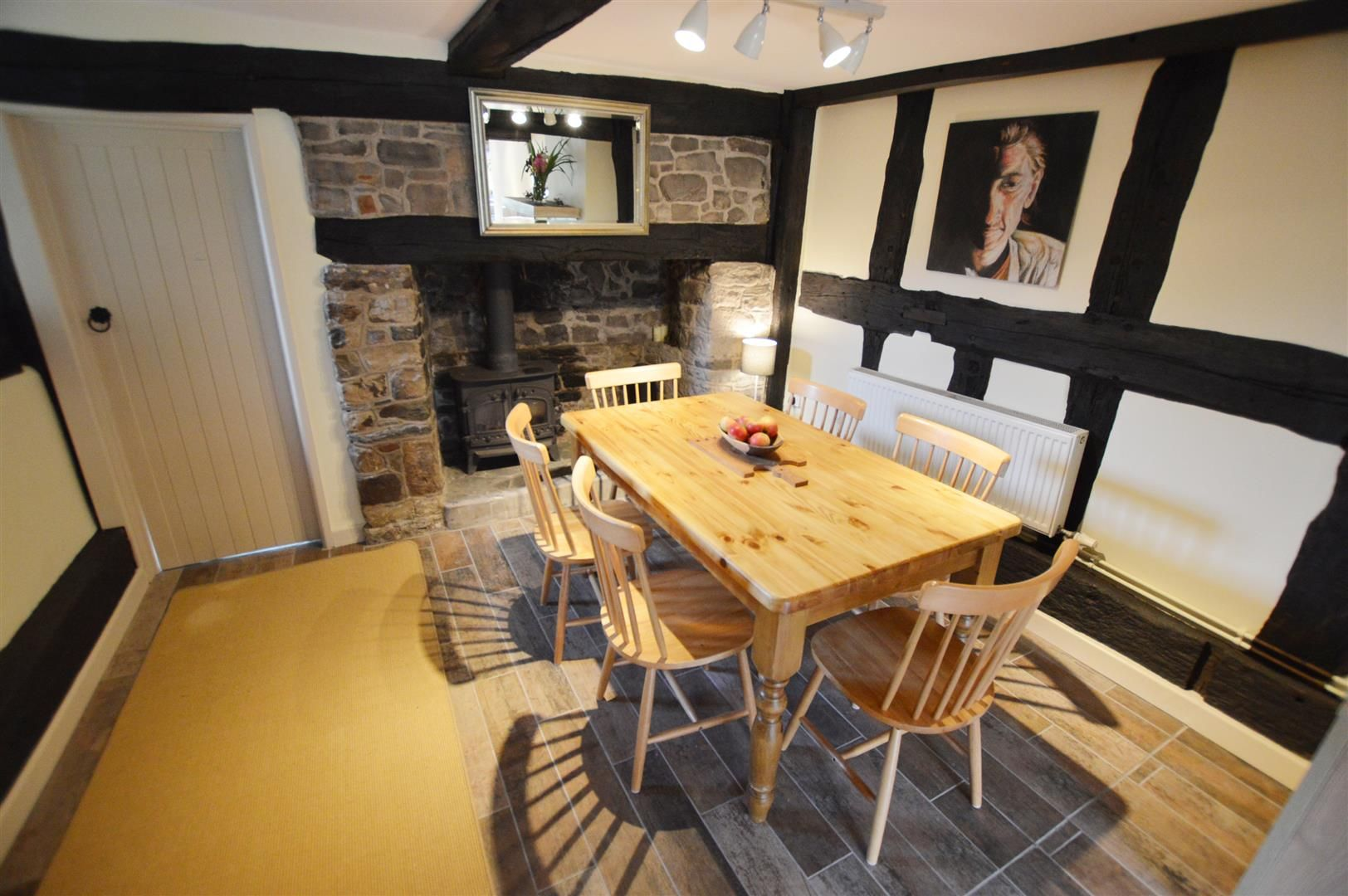 3 bed cottage for sale in Pembridge 4