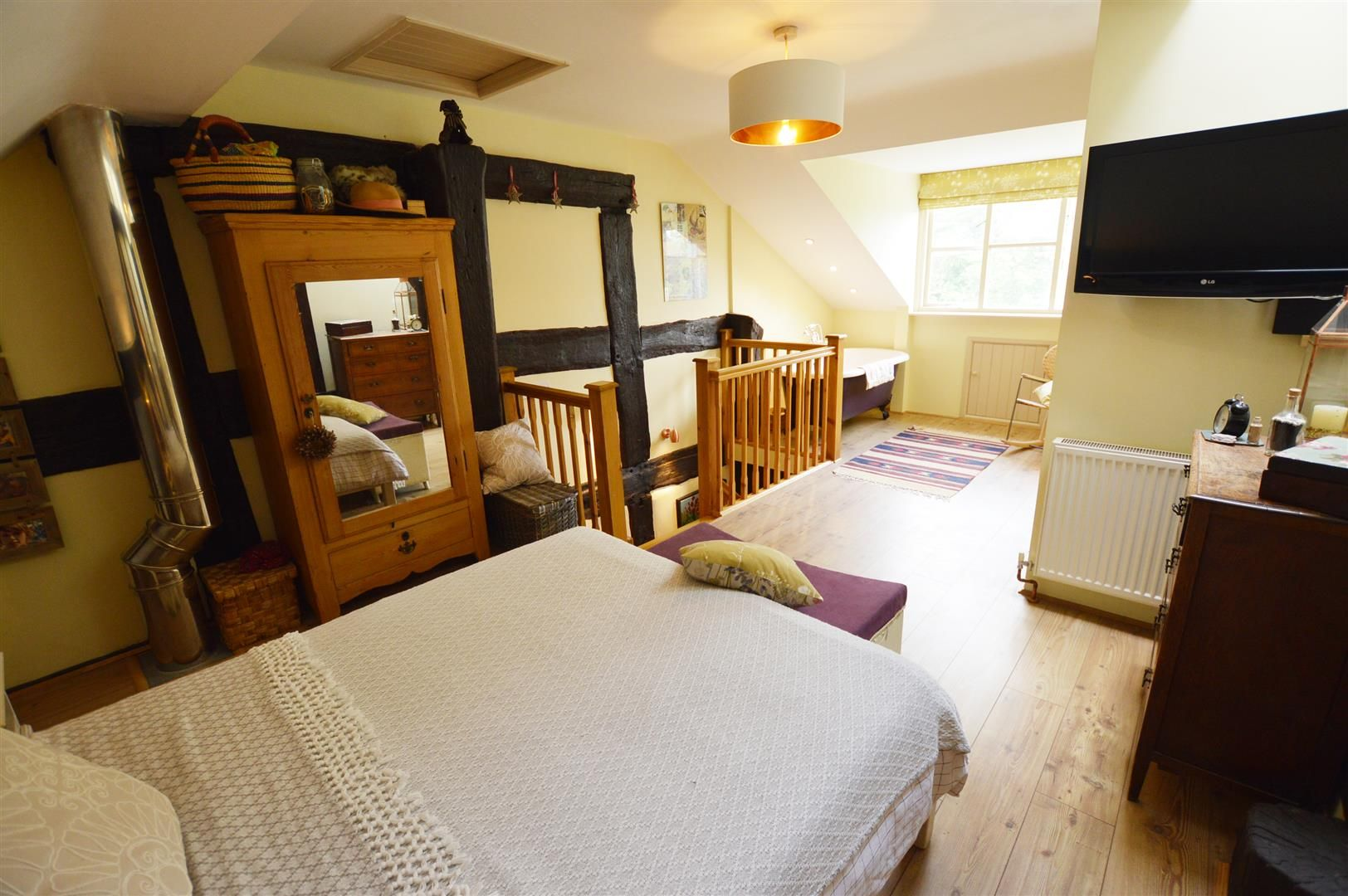 3 bed cottage for sale in Pembridge 5