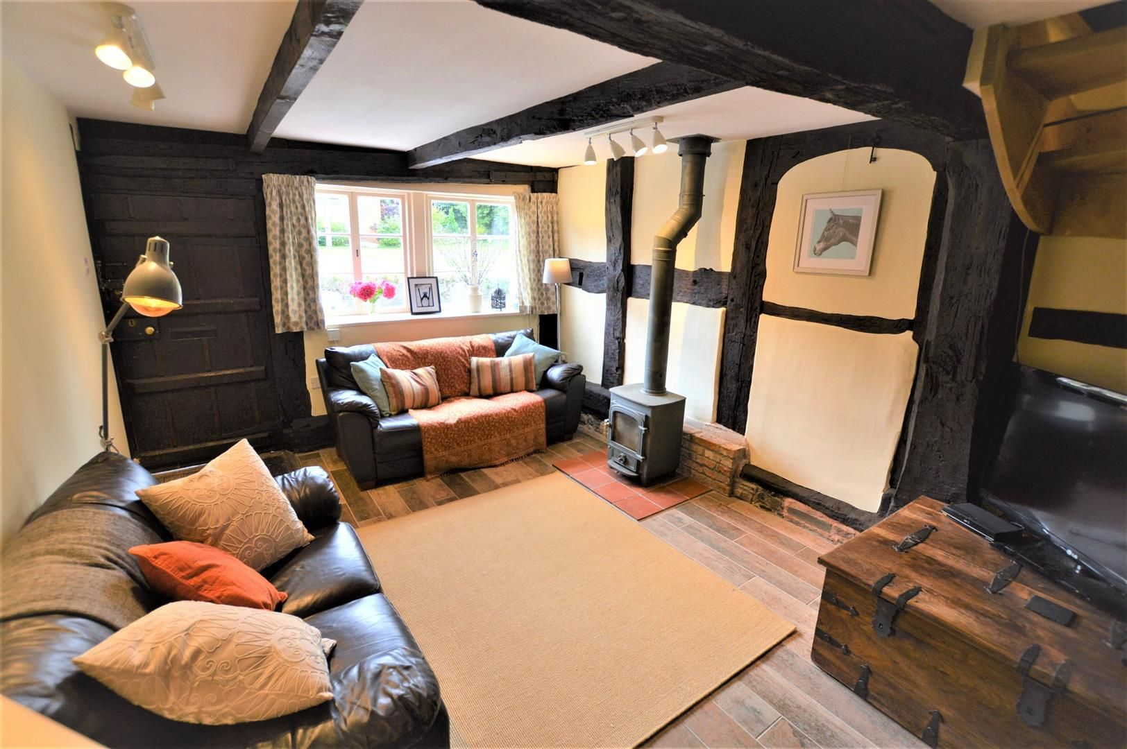 3 bed cottage for sale in Pembridge 10