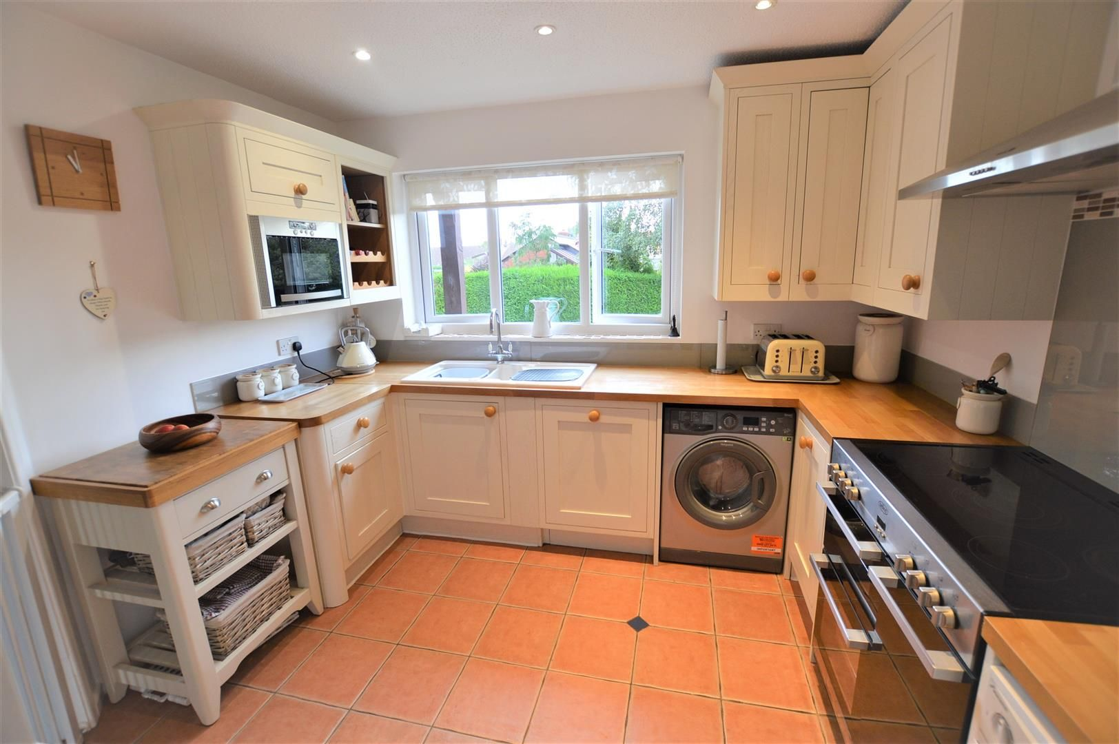 4 bed semi-detached for sale in Luston 2
